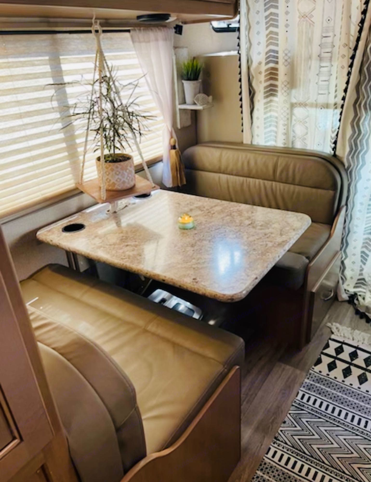 Leather Dining Booth w/ 2nd Bed Option.  Easy Peasy Conversion!. Thor Motor Coach Four Winds 23B 2019
