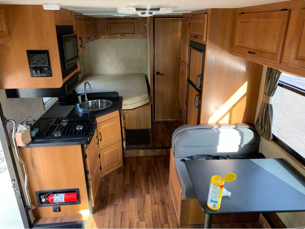 Thor Motor Coach Four Winds Majestic 2016