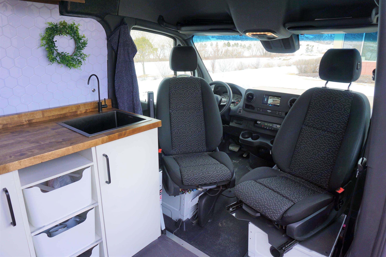 Swivel seats! woop woop. Mercedes-Benz Sprinter 2020