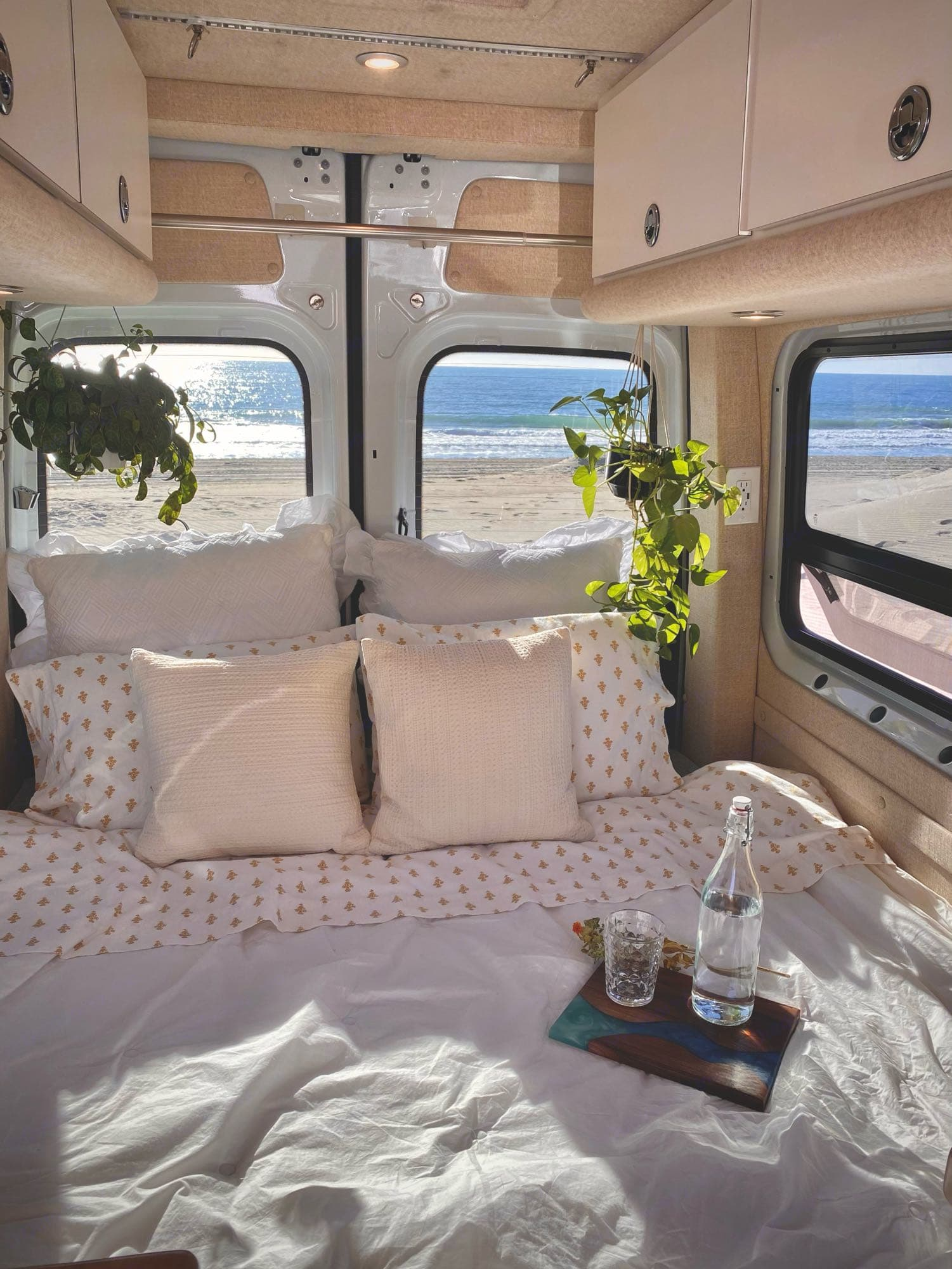 Nothing better than waking up with this view. Mercedes-Benz Sprinter 2019