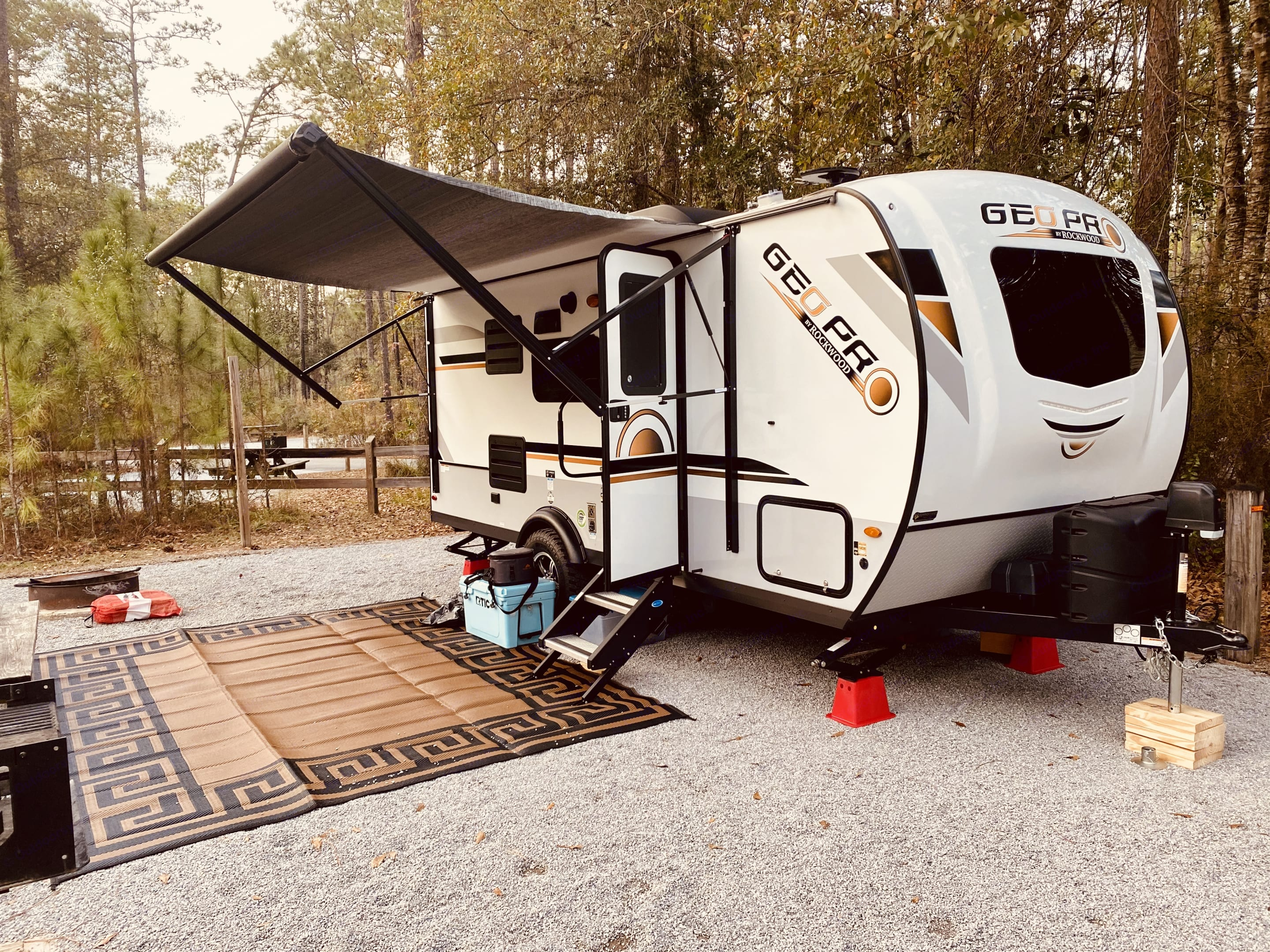 This camper is perfect for a family, and will fit anywhere.. Forest River Rockwood 2020