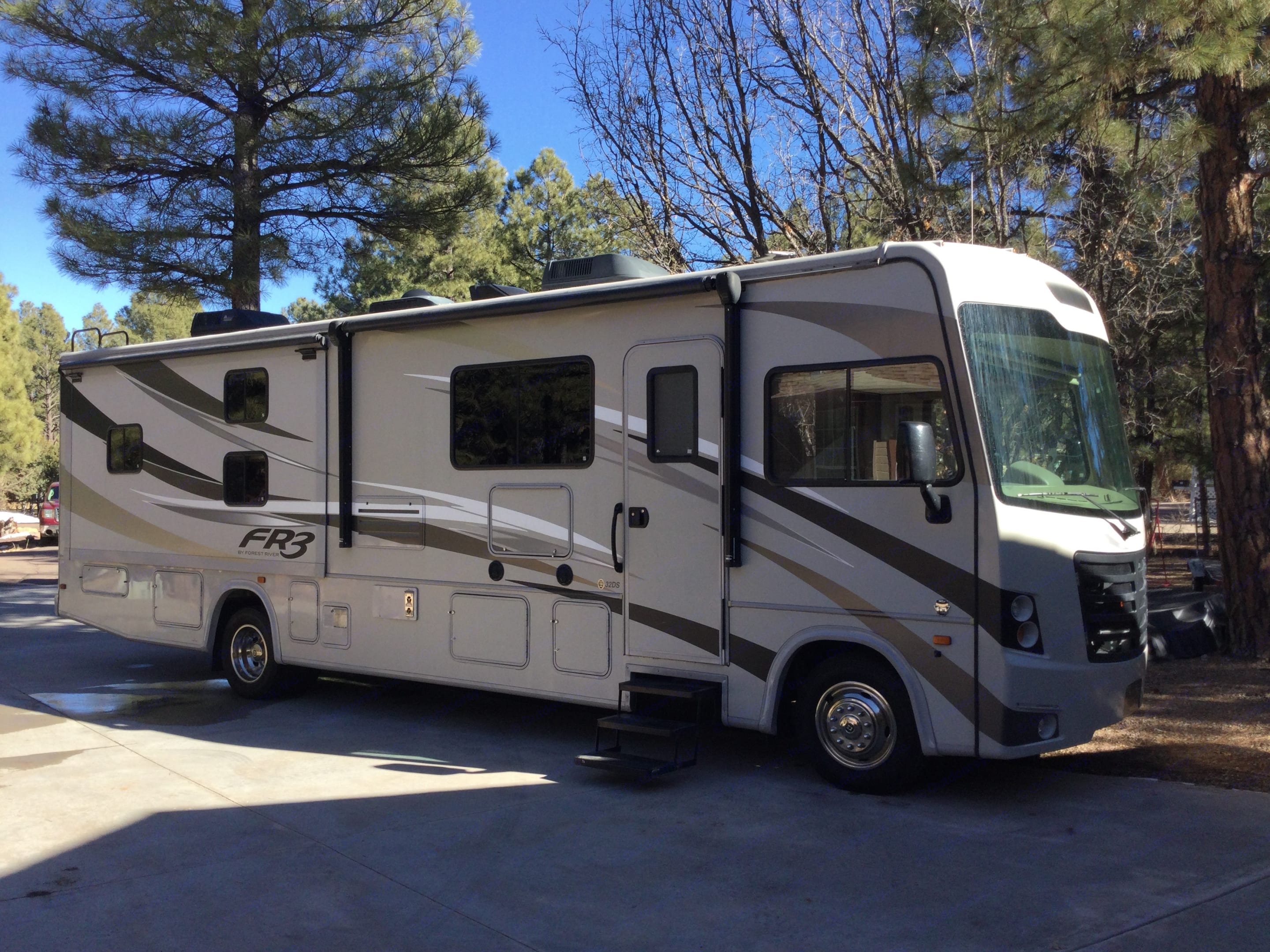 All the modern amenities built into one easy to drive RV. 2 roof AC, outdoor entertainment system, Bunks, Huge Fridge. Forest River Fr3 2016