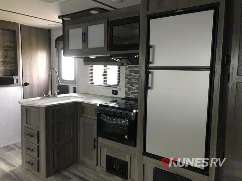 Kitchen. Gulf Stream Ameri-Lite 268BH 2021