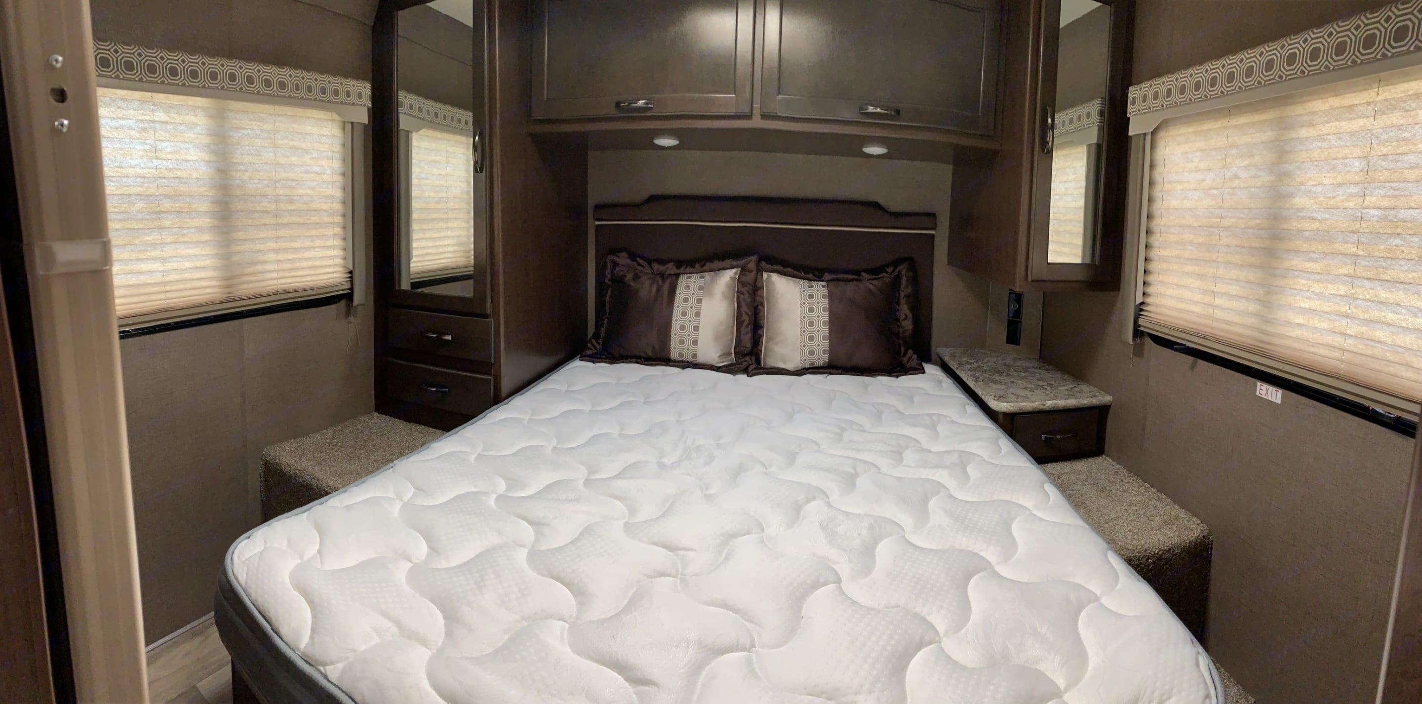 Queen size bed. Thor Motor Coach Four Winds 2019