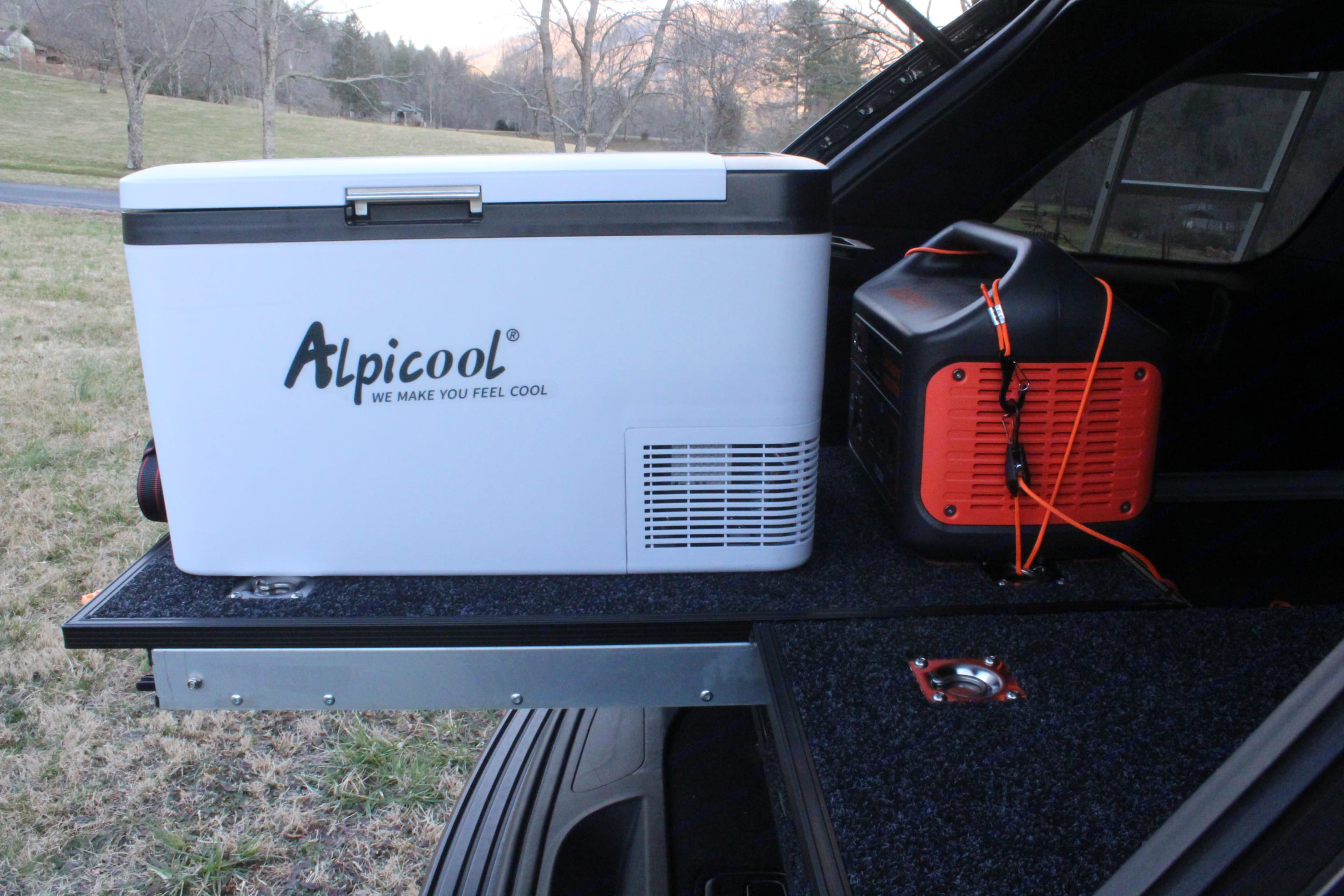 Upgrade to this optional 30 quart fridge and battery bank combo, great for longer camping trips! . Jeep Grand Cherokee 2014