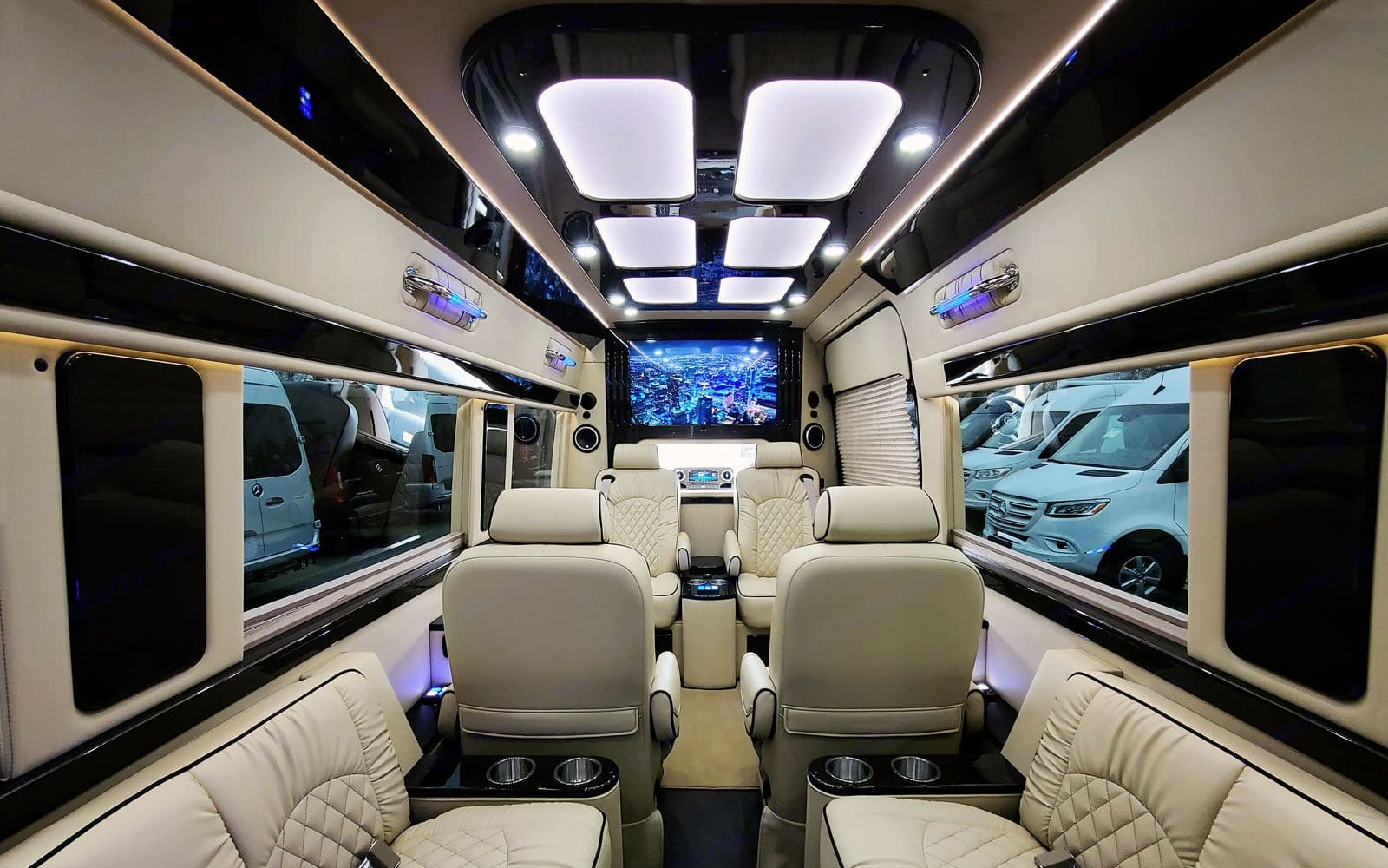 Views from the back of the sprinter . Mercedes-Benz Sprinter 2021