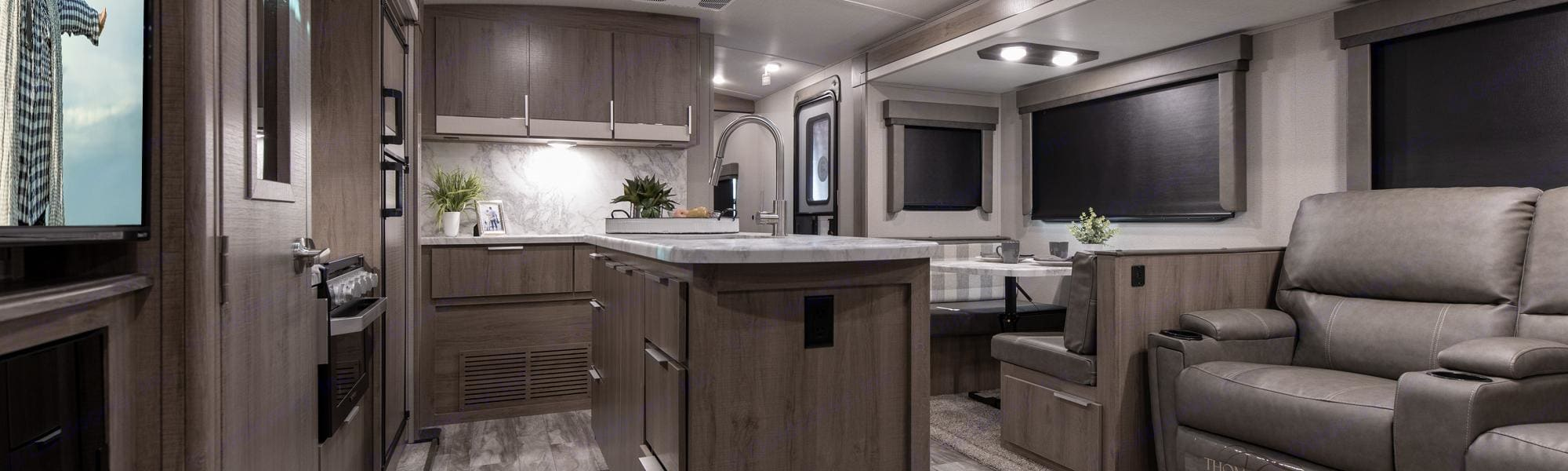 Spacious Kitchen and Dining. Grand Design 3110BH 2021
