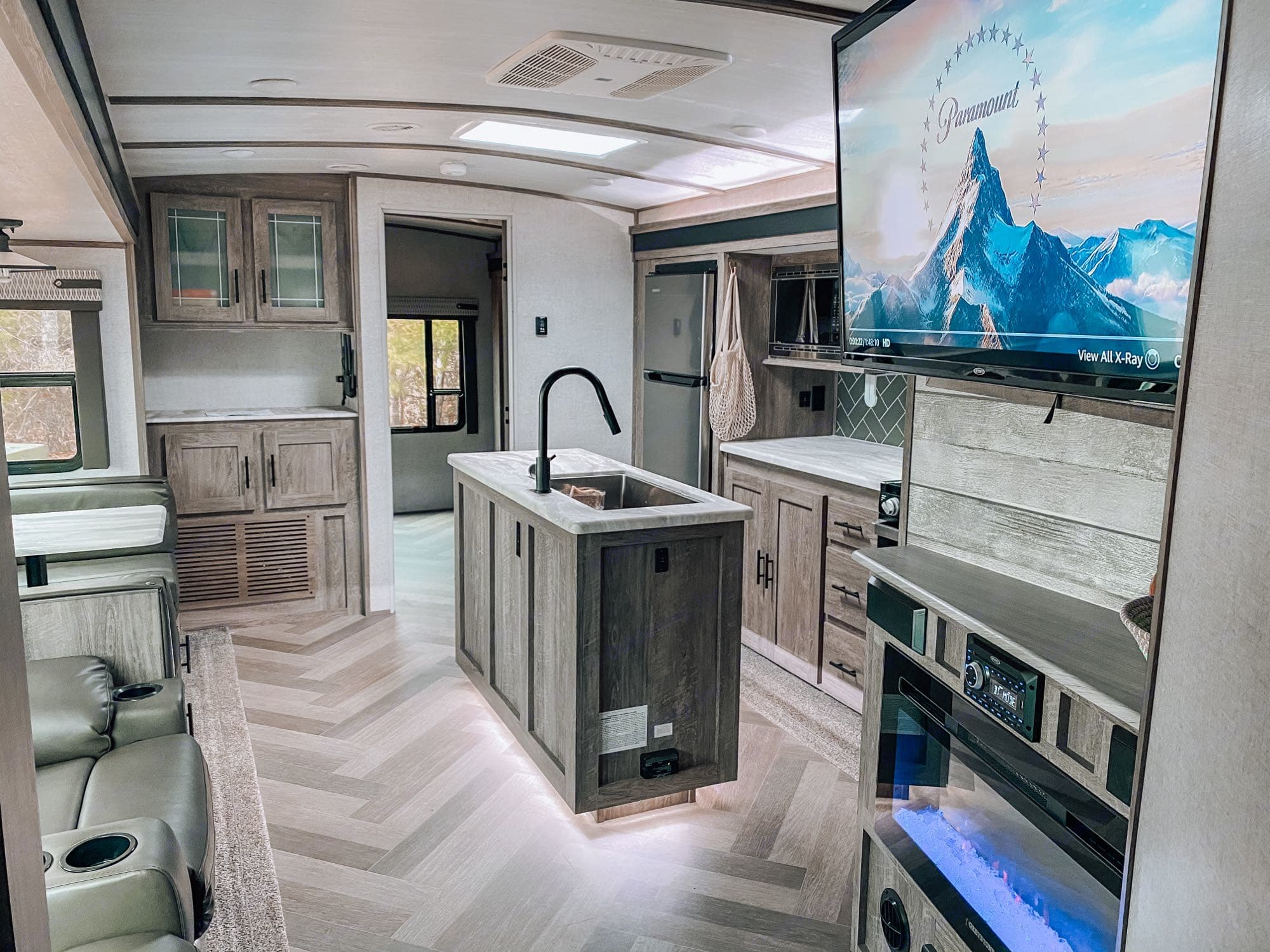 Enjoy the large entertainment space with two pullouts for maximum space.. Forest River Salem Hemisphere 2020