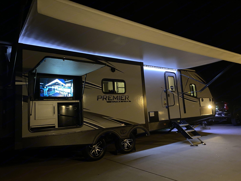 Keystone Premier Ultra Lite 2020