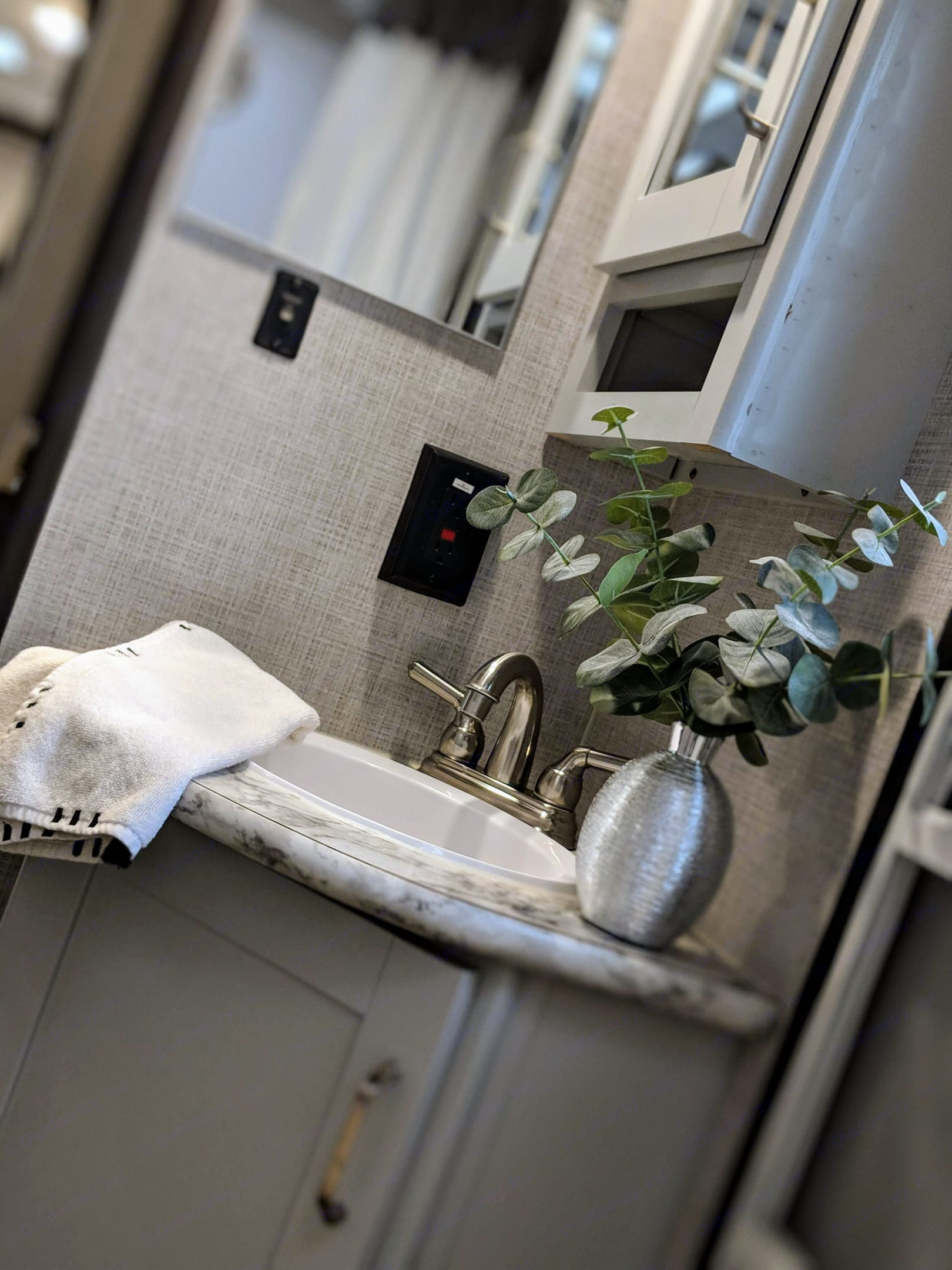 Bathroom Sink. Keystone Bullet 2020