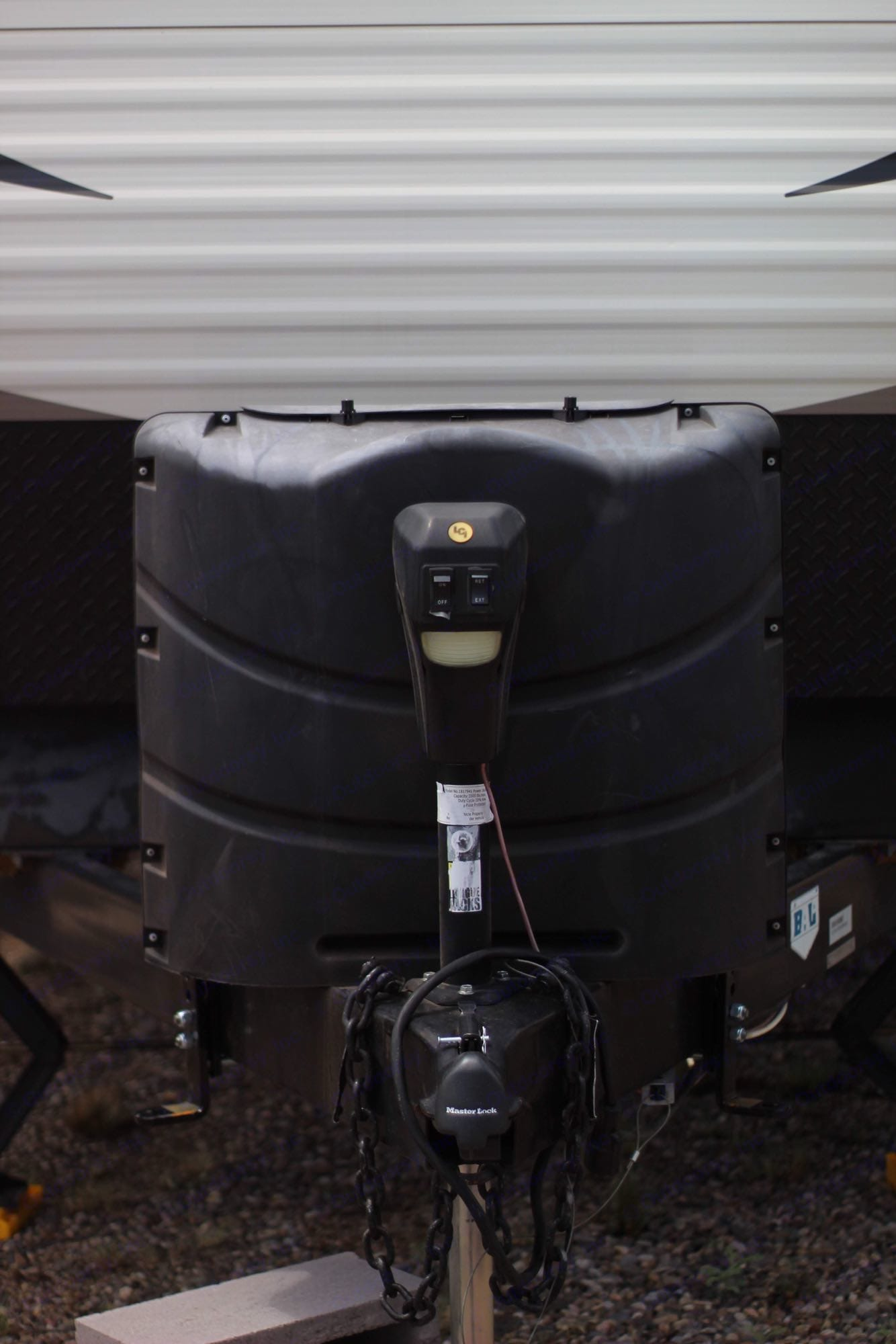 power tongue jack and propane. Prime Time Avenger 2015
