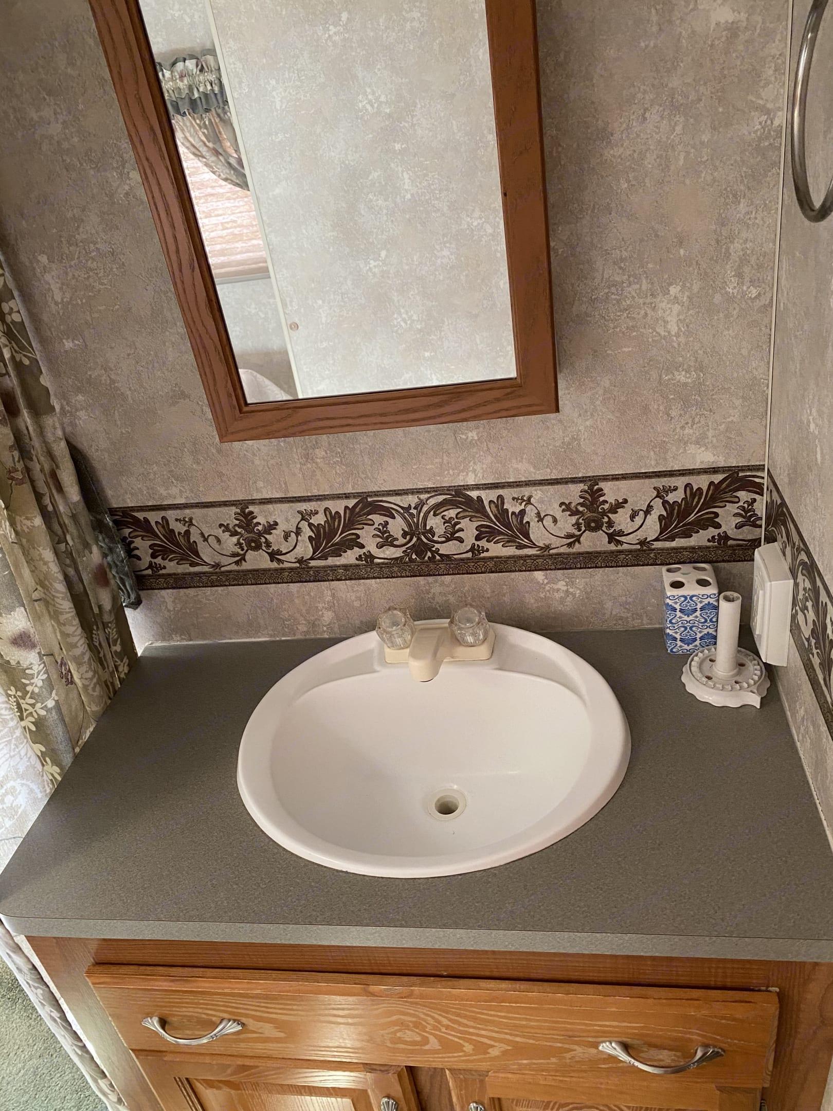 Master Bedroom sink. Coachmen Chaparral 2006