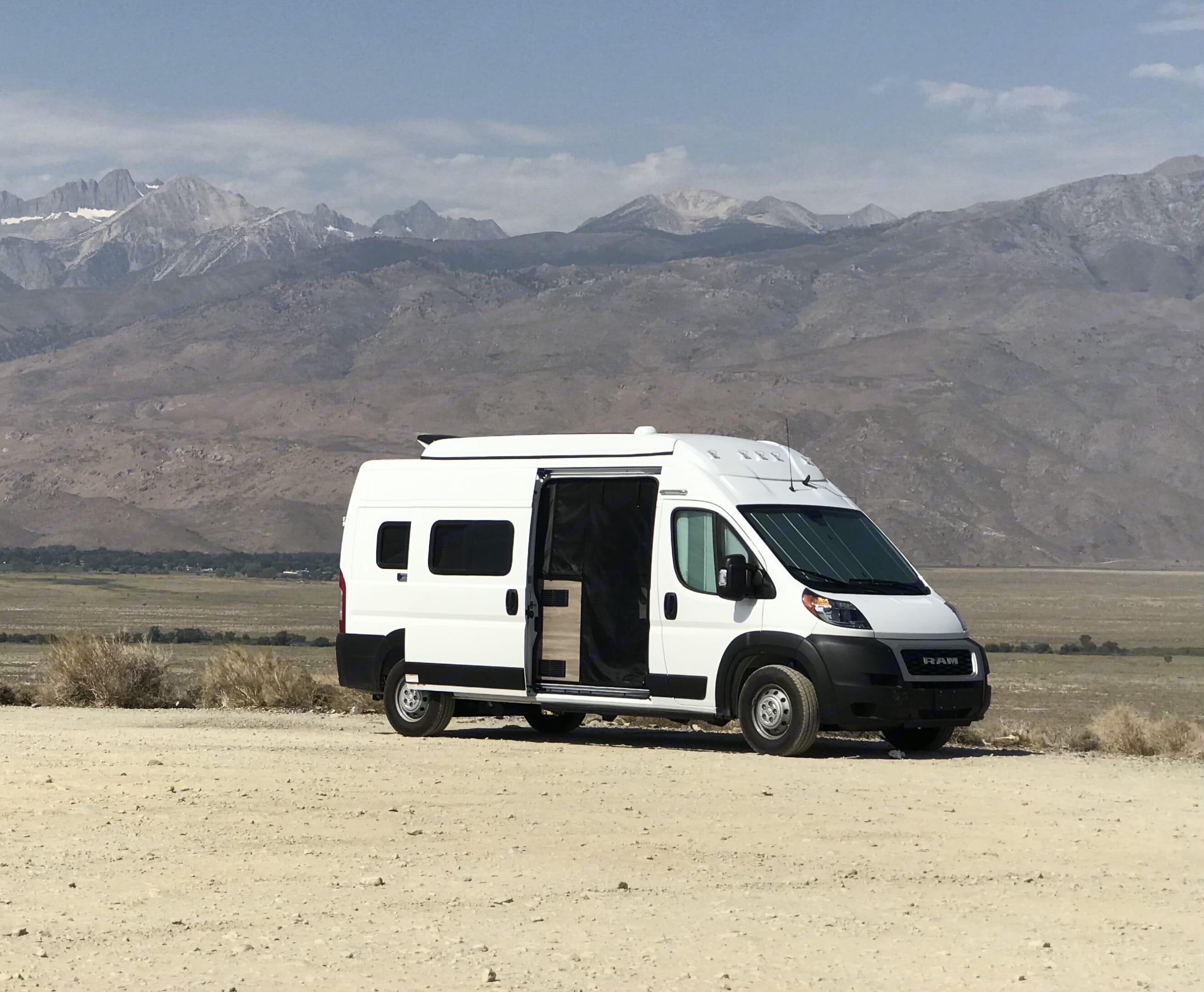 Boondocking in the Eastern Sierra. Winnebago Solis 59P 2021