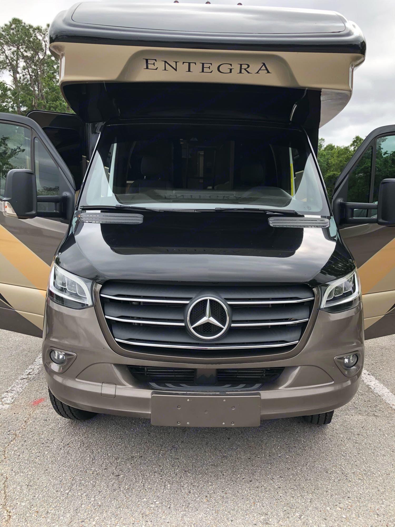 Entegra Coach Qwest 24r 2020