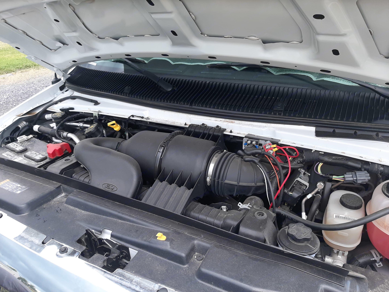 Ford F350, V10, gas. Jayco Redhawk 2018