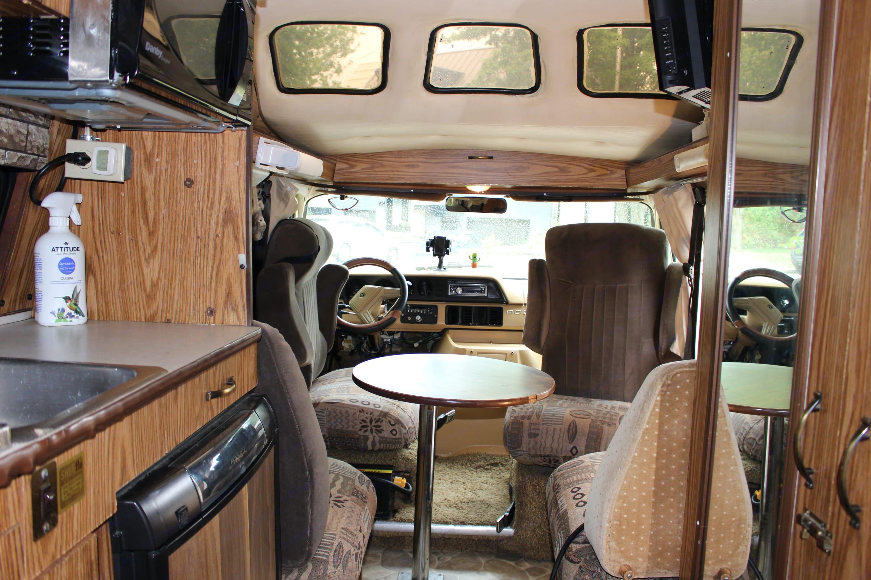 De l'espace !. Roadtrek 190 Versatile 1986