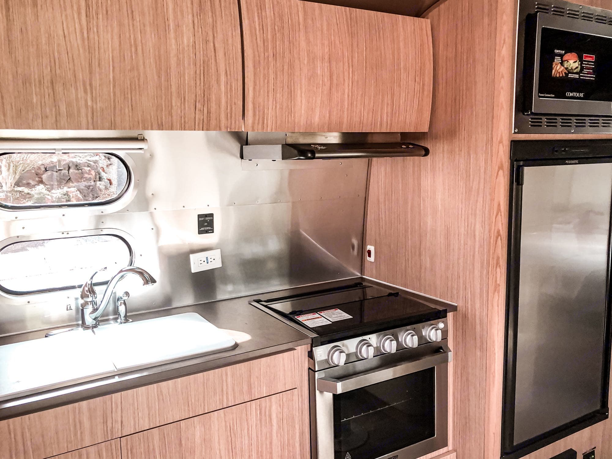 kitchenette. Airstream Flying Cloud 2020