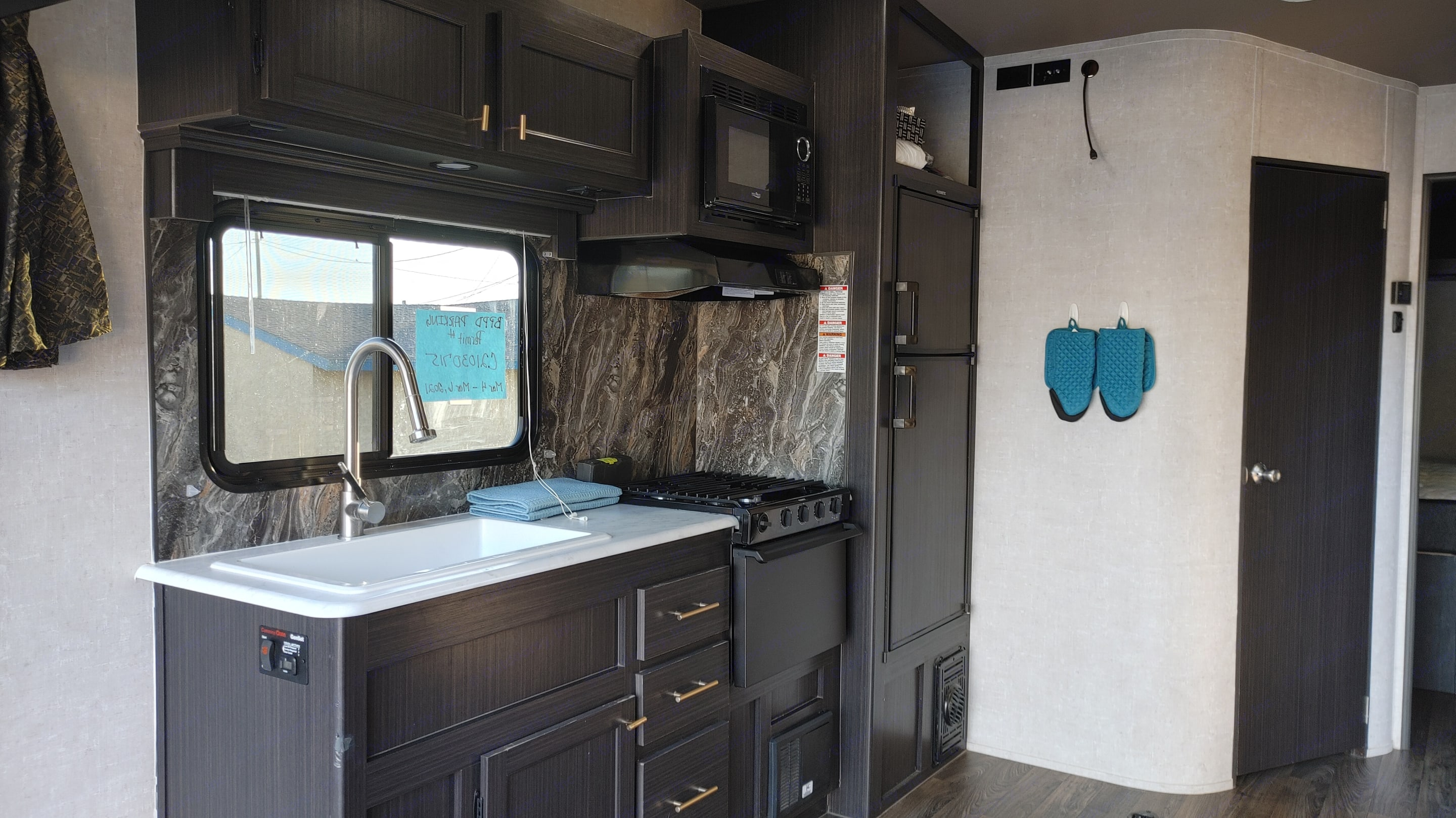 Drawers and Cabinets contain dish ware, silver ware, and cook ware. Eclipse Recreational Vehicles Attitude 2021