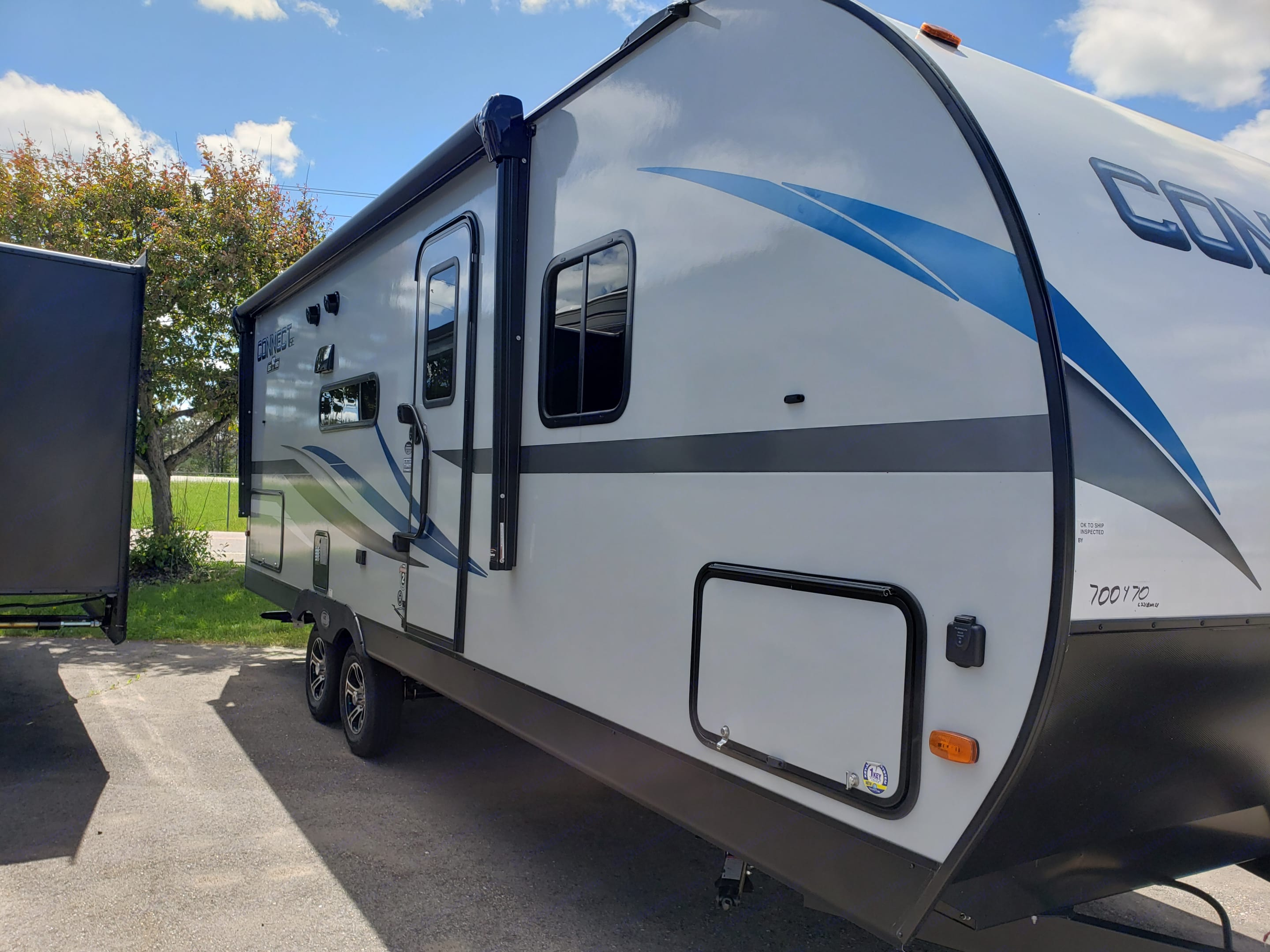 Large storage area, awning, dual axles for stability. . Other Other 2020