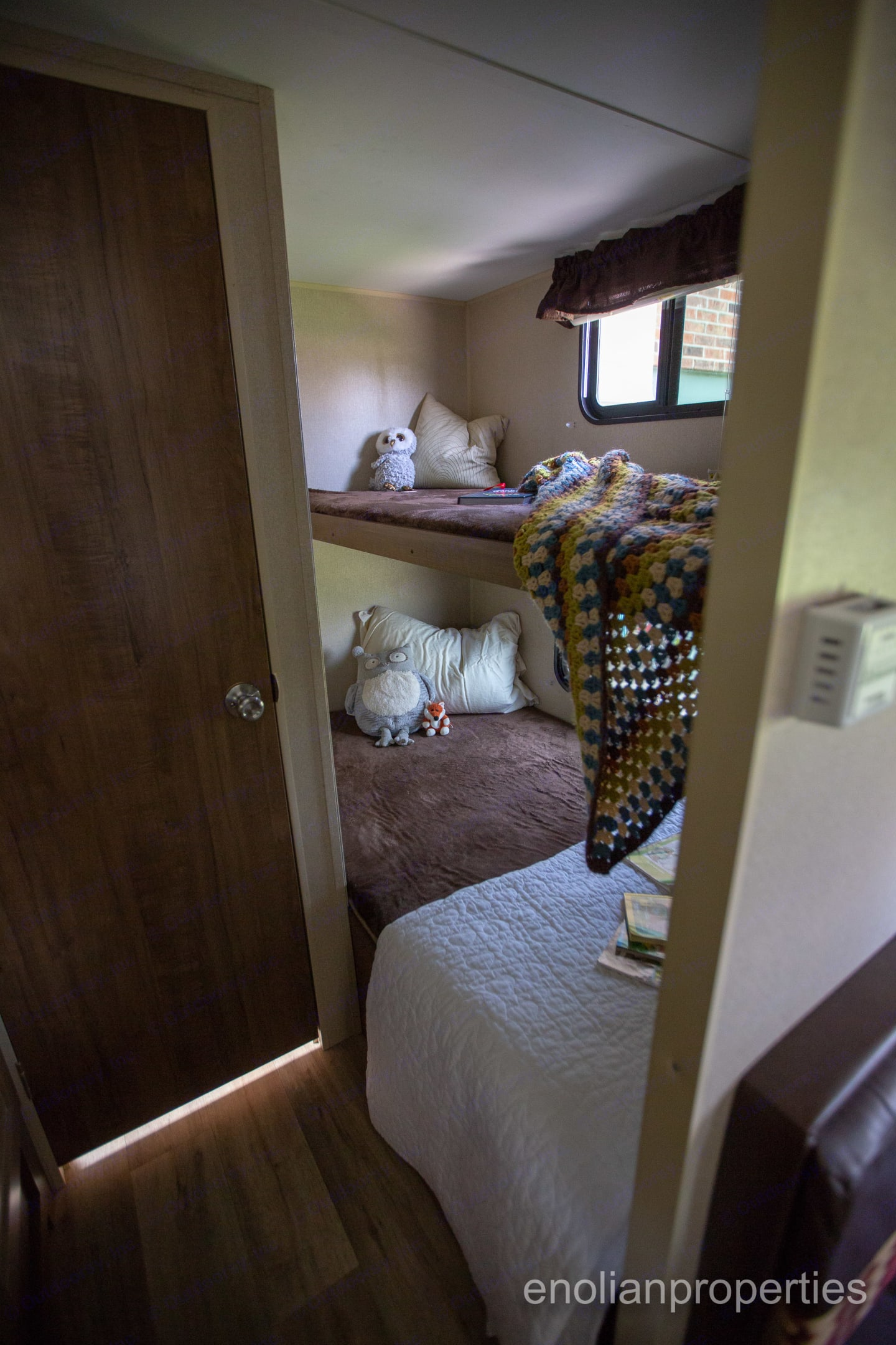 6 feet long bunk space perfect for kids!. Dutchmen Aspen Trail 2016