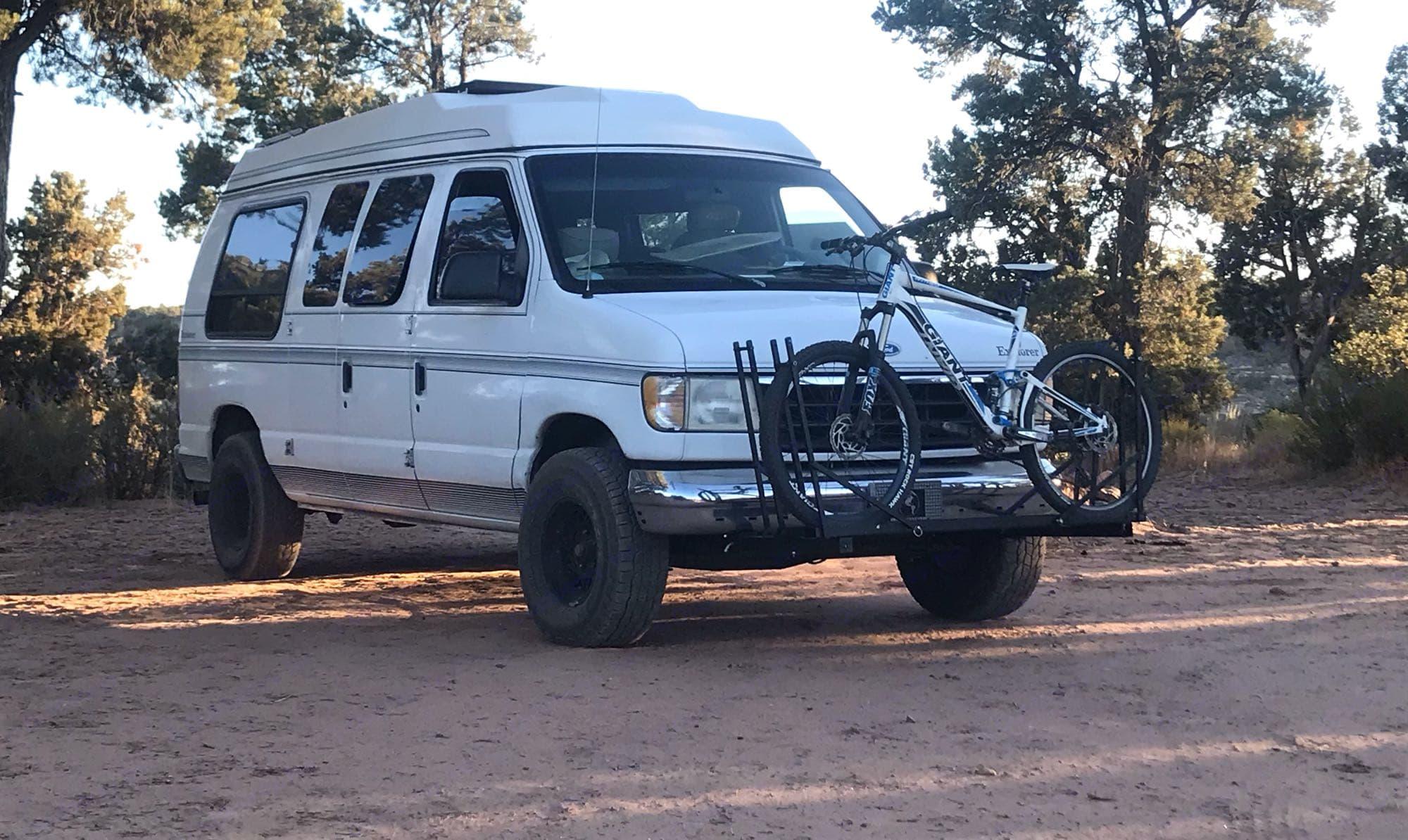 Get lost.. Ford Econoline 150 Club Wagon 1996