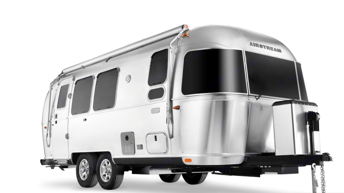 2020 Flying Cloud 25 foot Airstream with Bedroom in front. Airstream Flying Cloud 25ft 2020