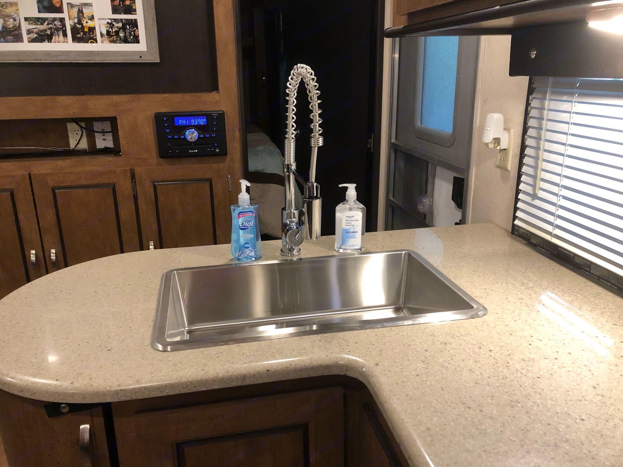 kitchen. Forest River Salem 2018
