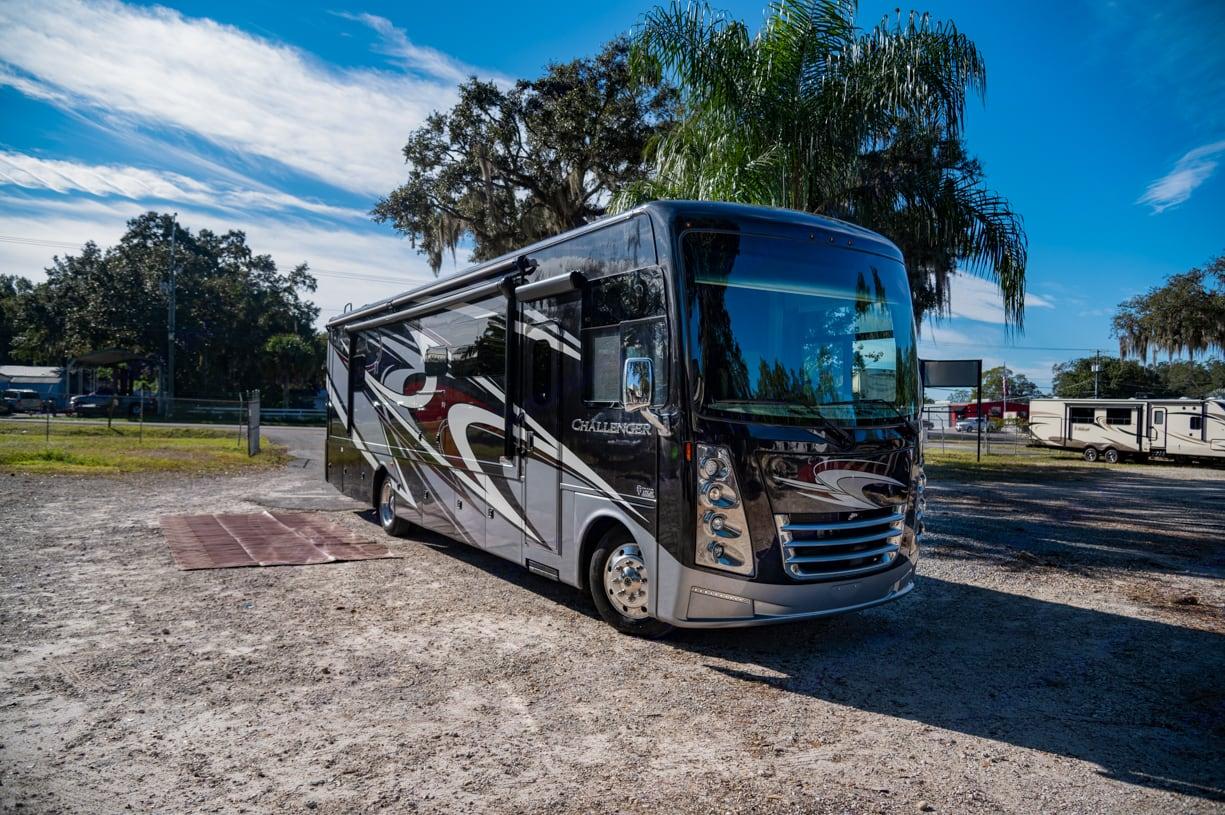 Thor Motor Coach Challenger 2020