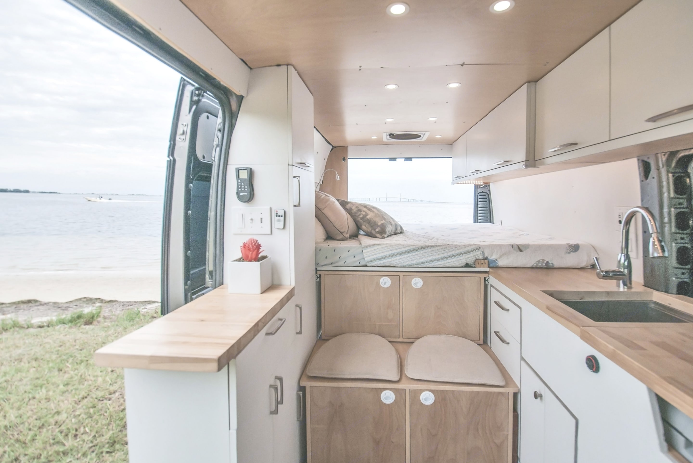 Custom Camper 2019