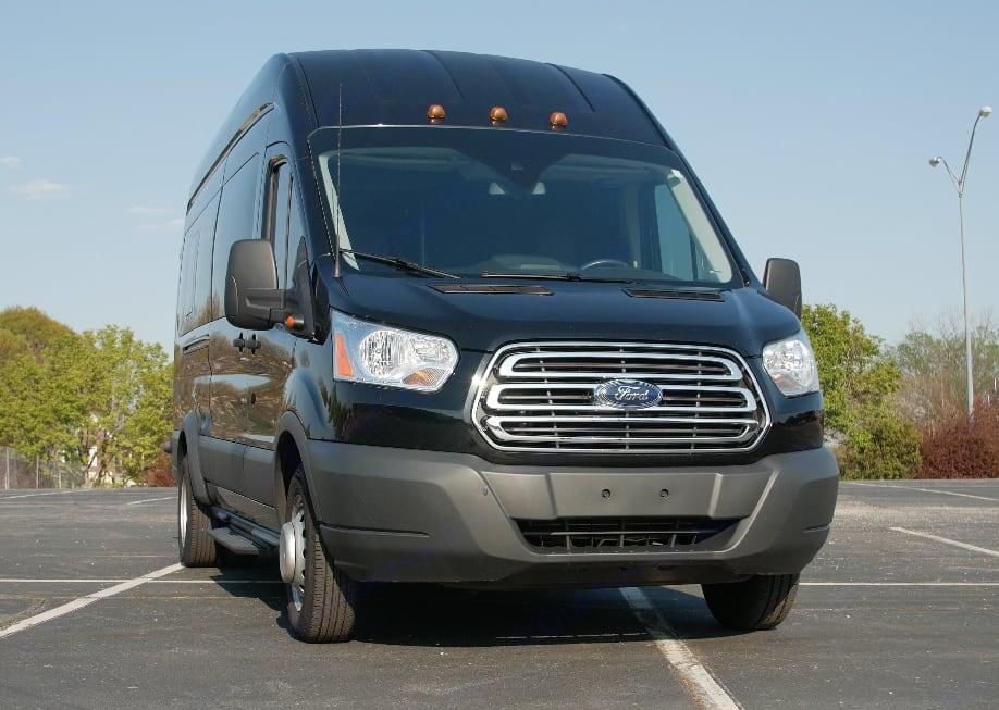 (Front). Ford Custom Transit 2017