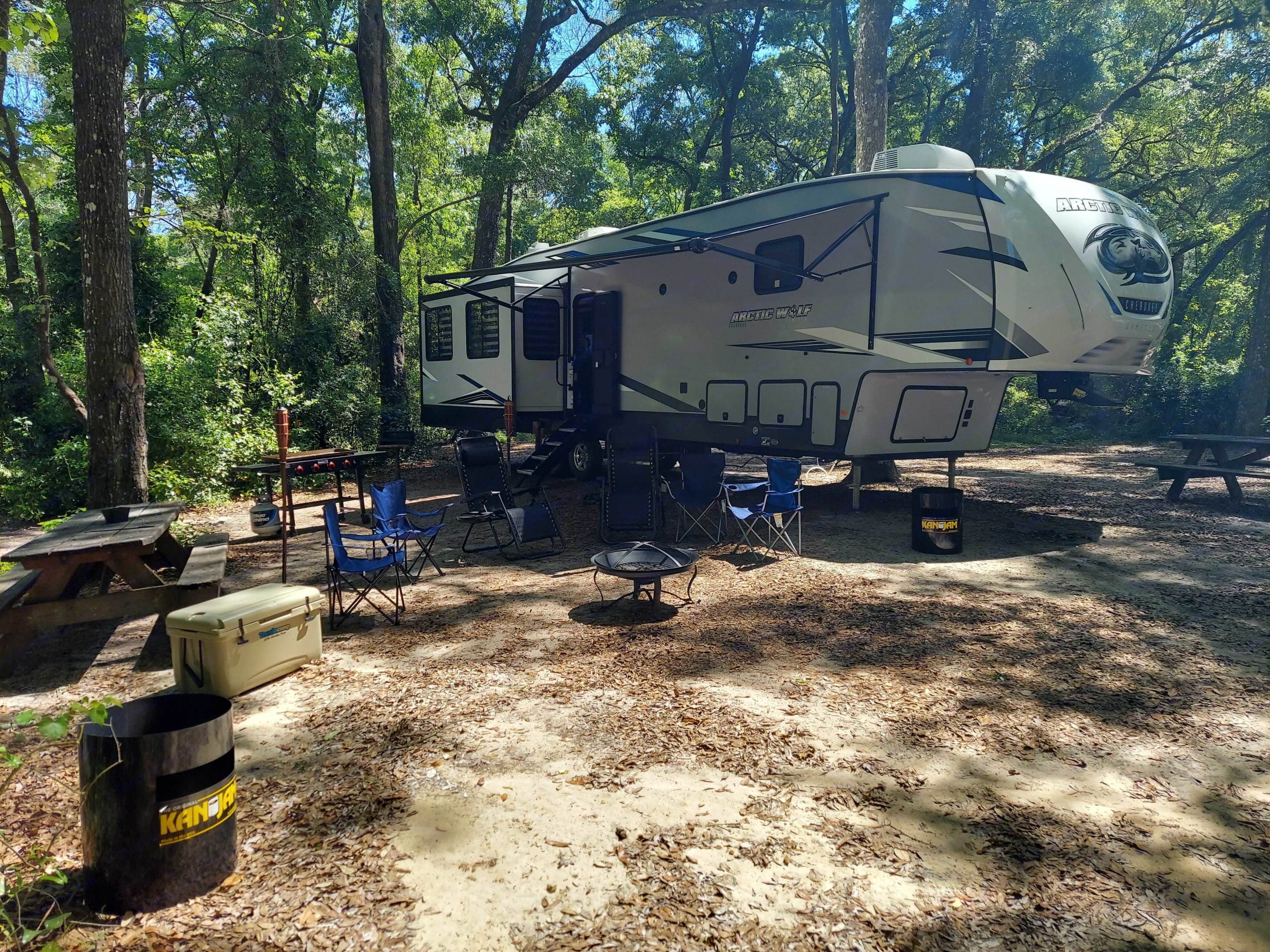 Outdoor Setup. Forest River Cherokee Arctic Wolf 3880 2021