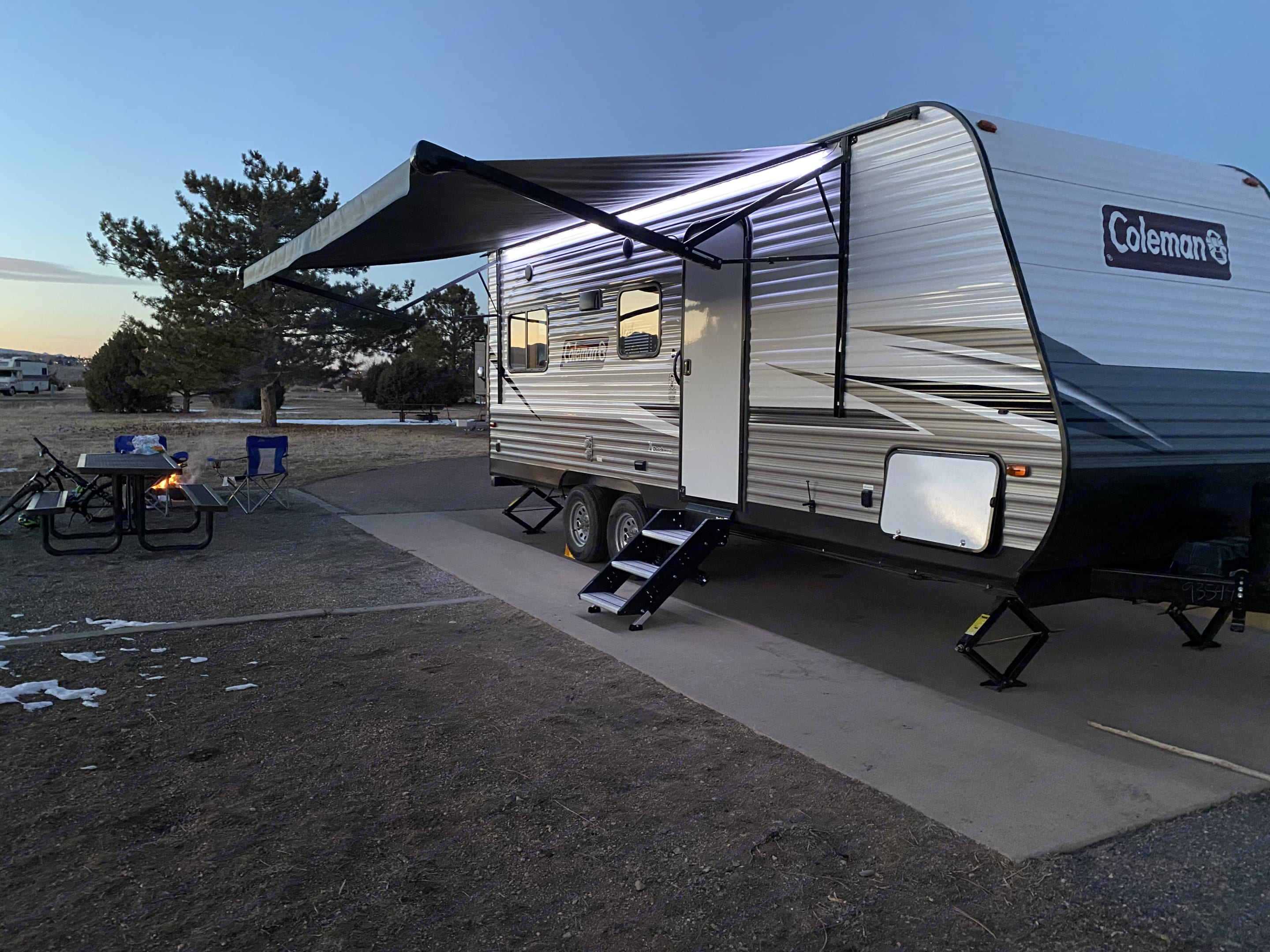 This trailer is quick to setup and provides a variety of amenities for outdoor entertainment, including LED lights, and bluetooth stereo.. Dutchmen Coleman 2021