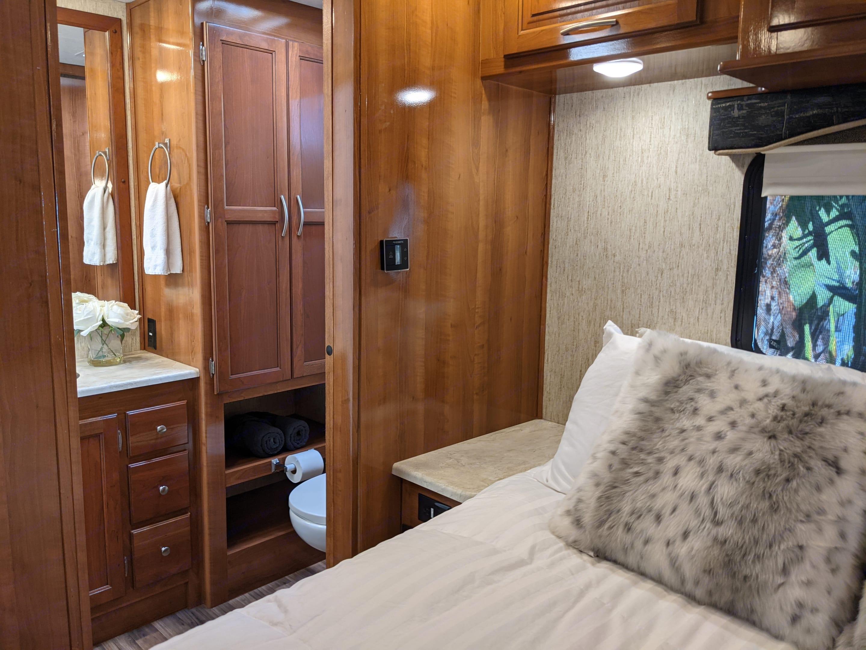 Master Bedroom with en suite full bathroom. Coachmen Mirada 2019