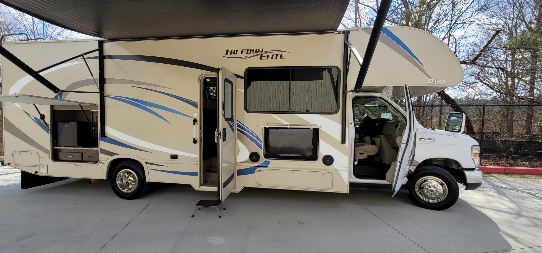 Ready to Explore. Thor Motor Coach Freedom Elite 2018