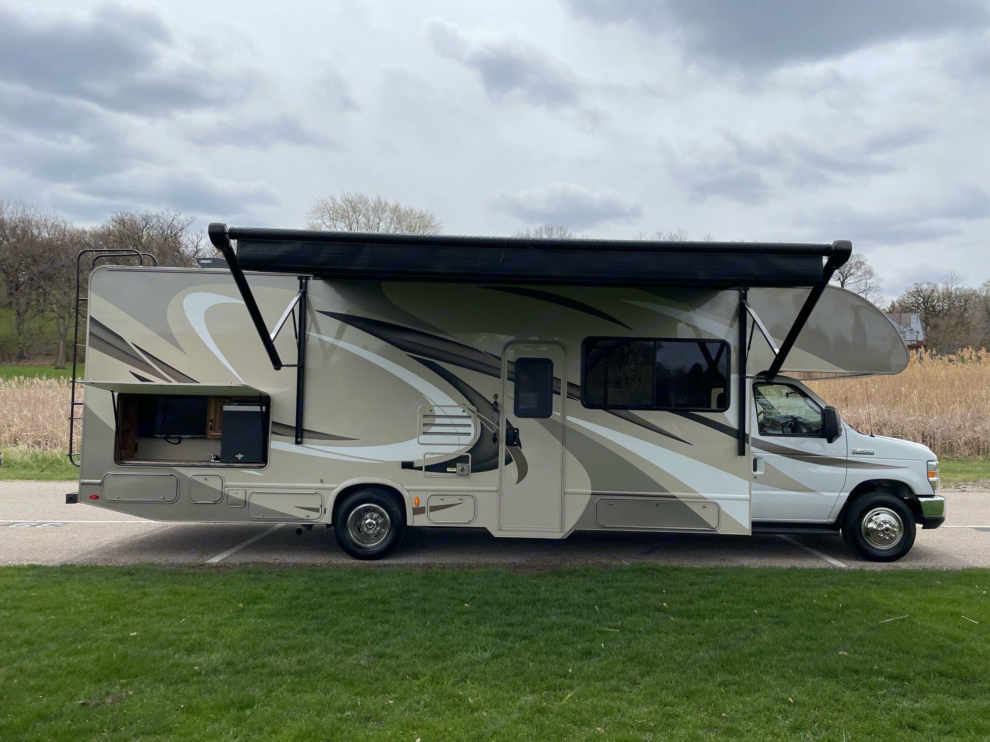 Thor Motor Coach Quantum 2018