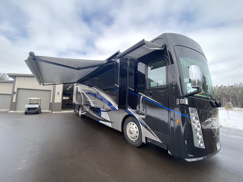 Thor Motor Coach Challenger 2019