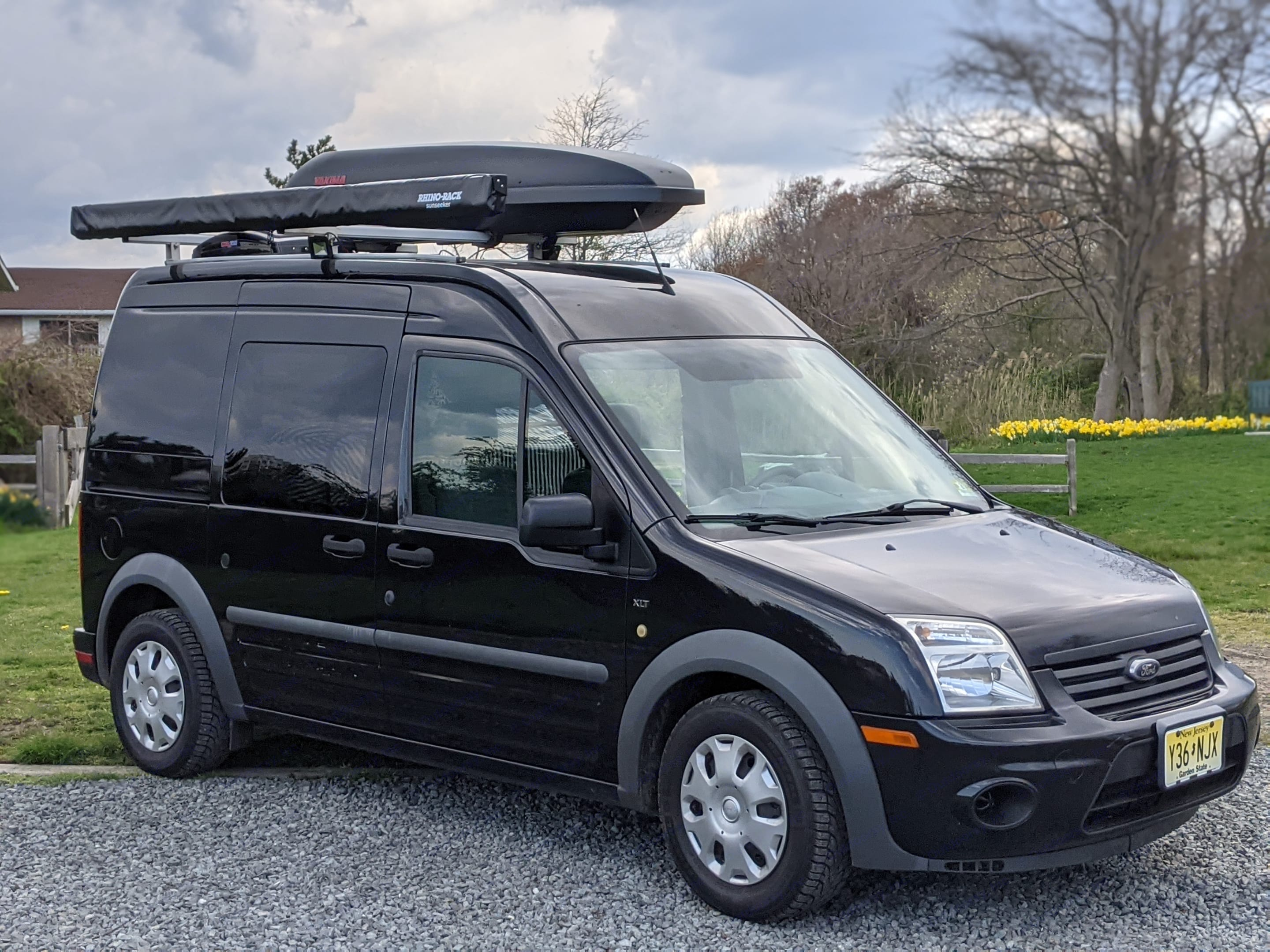 15ft long & 8ft tall allow for ease of driving, parking & maneuverability. Ford Transit Connect 2012