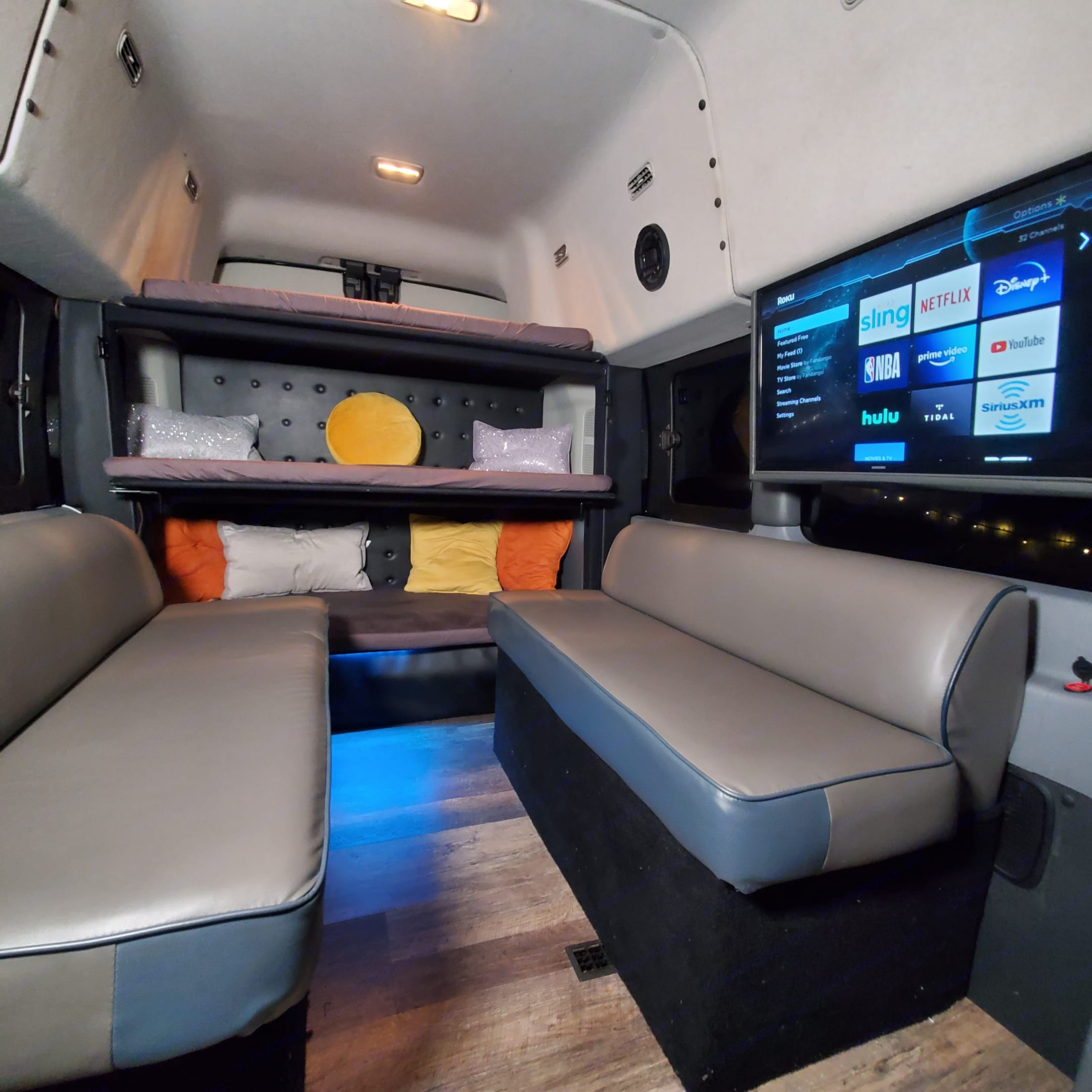 Bunks and Side Sofas. Ford Custom Transit 2017