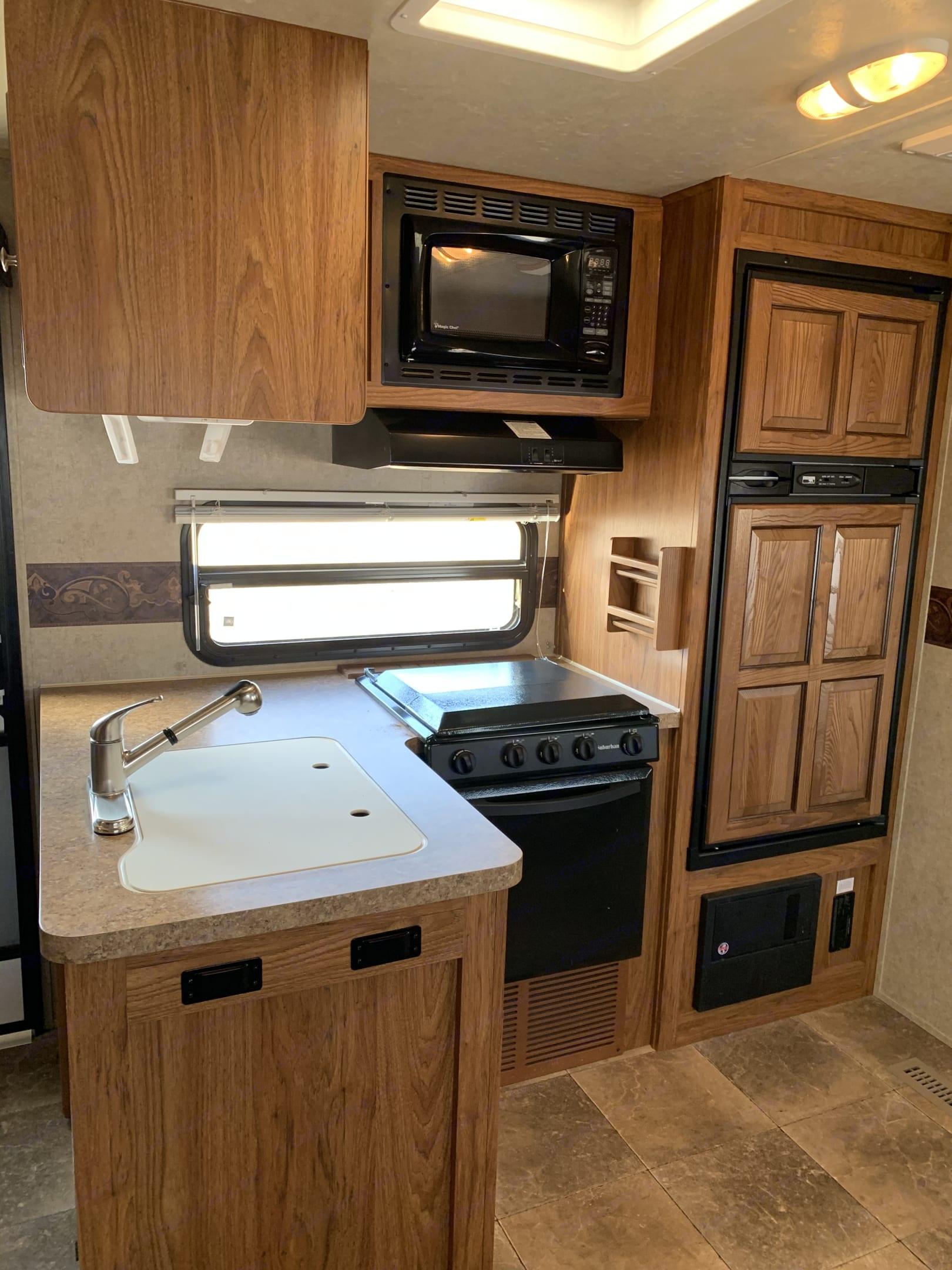 Fully stocked kitchen . Forest River Rockwood Windjammer 2013