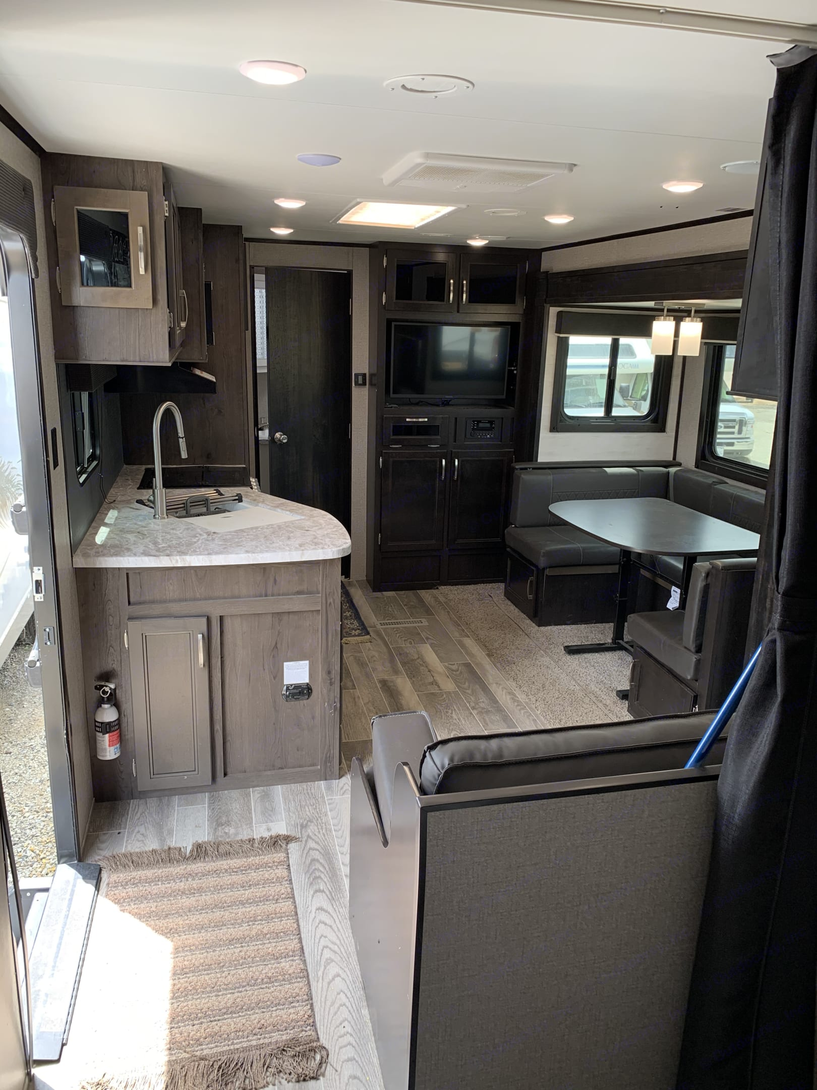 Gorgeous, clean, spacious, stocked!! This unit has it ALL!!!!. Jayco Jay Feather 2020