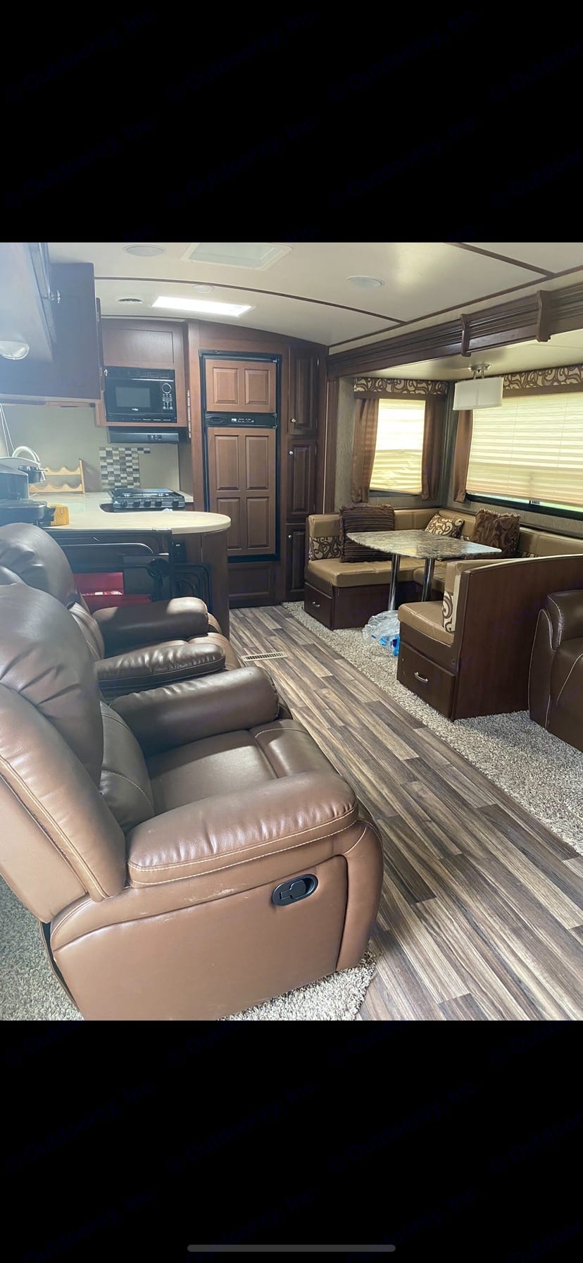 Open full plan to have your friends and family over!. Dutchmen Denali 2015