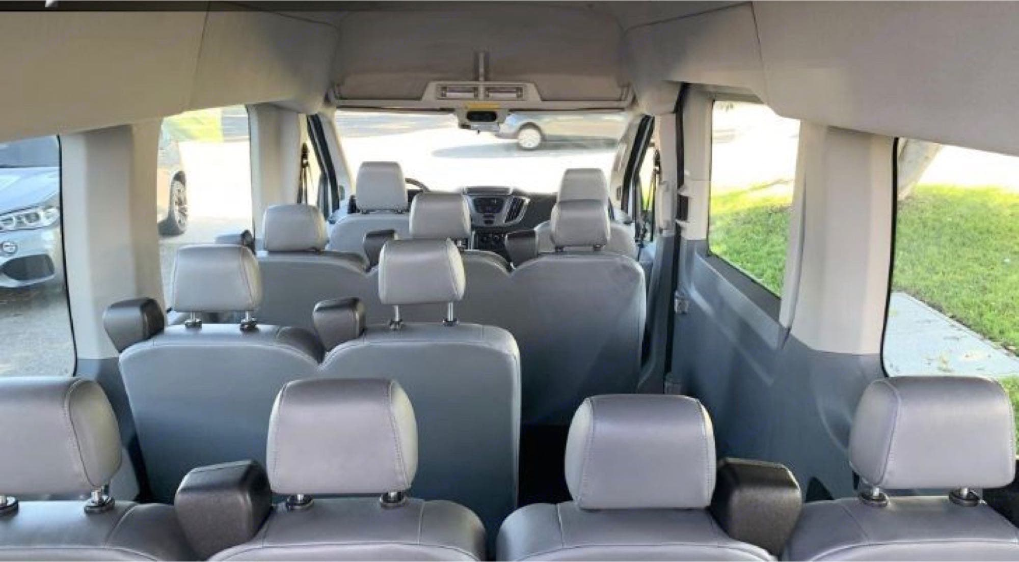 Up to 10 passengers with seatbelts for each seat. back seats must be grouped 3, or 2, or 4. Ford Transit Wagon 350 2015