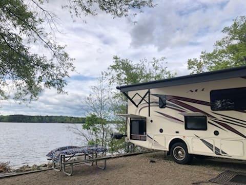 Kerr Lake, NC . Thor Motor Coach A.C.E 2018