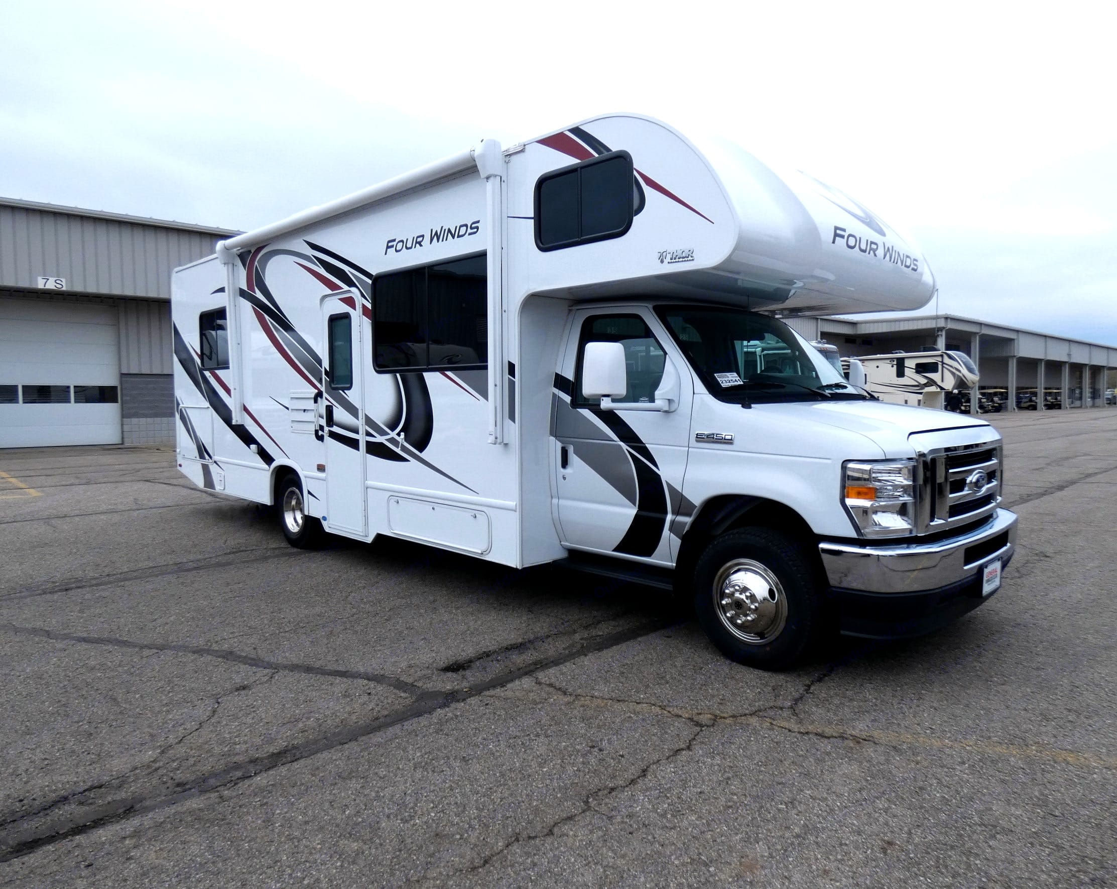 """The """"Wanderlust""""!. Thor Motor Coach Four Winds 2021"""