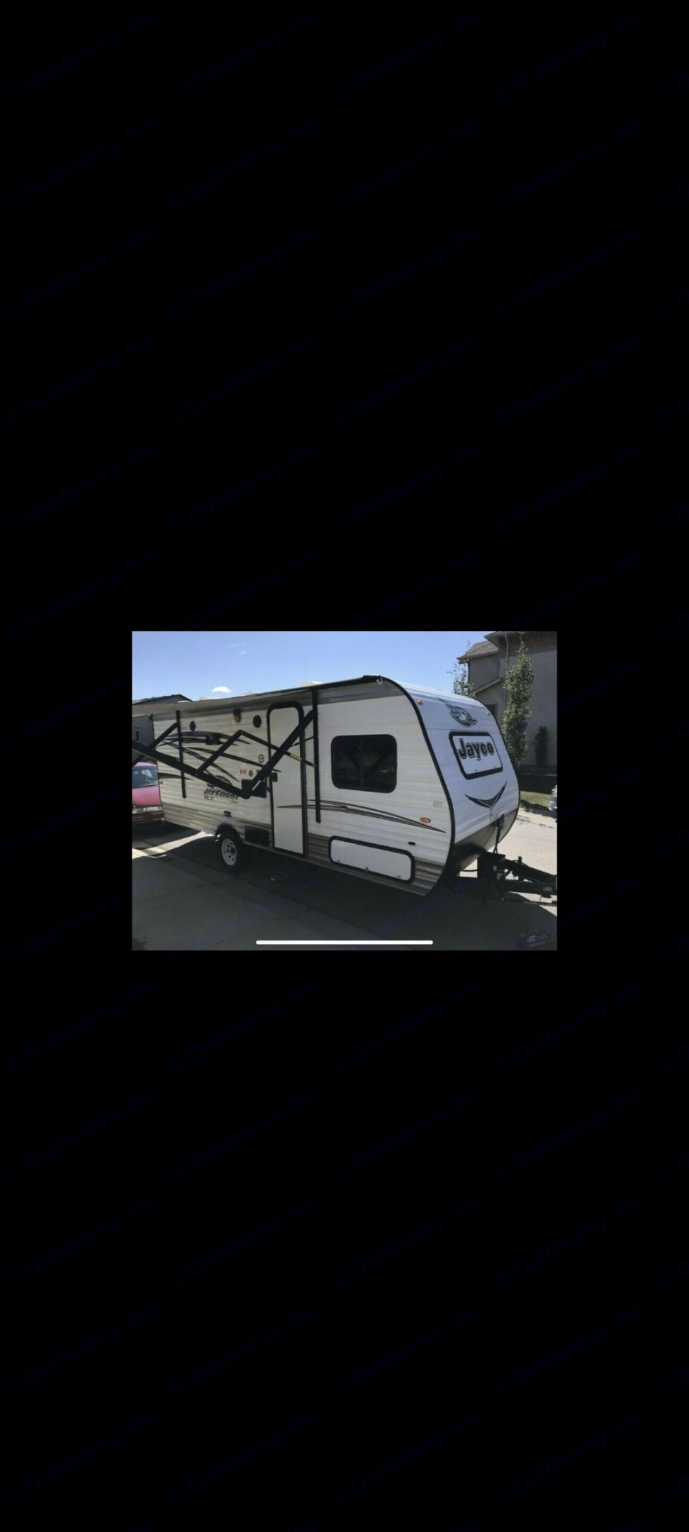 This Trailer features a power awning and outdoor speakers. Great for if it rains. . Jayco Jay Flight 2017