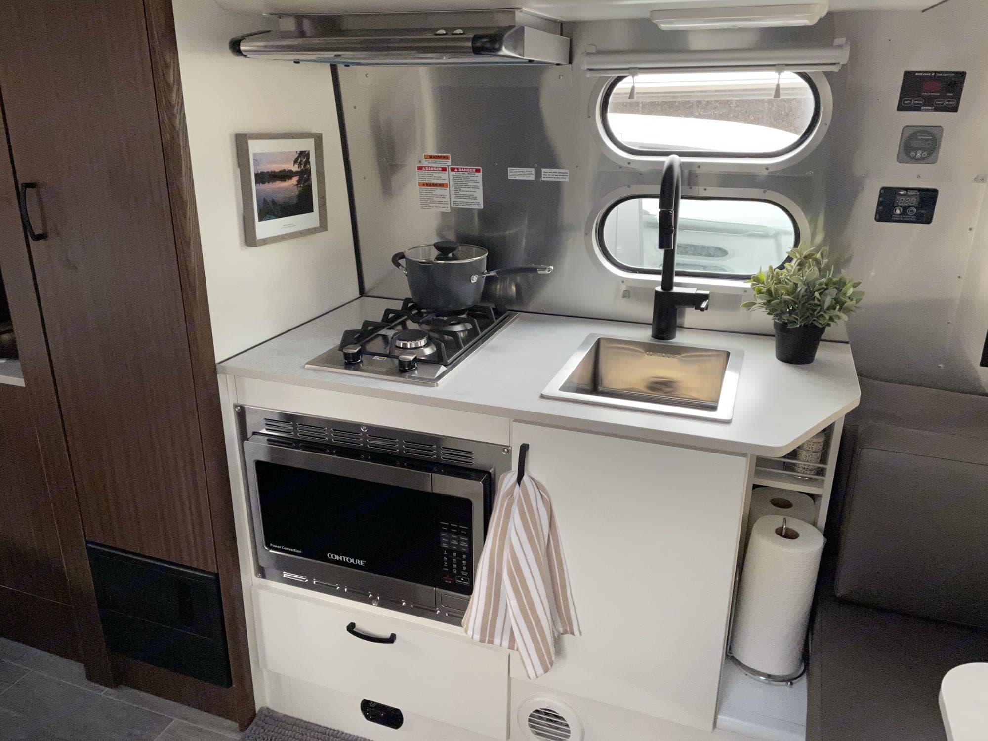 Airstream Caravel 2021