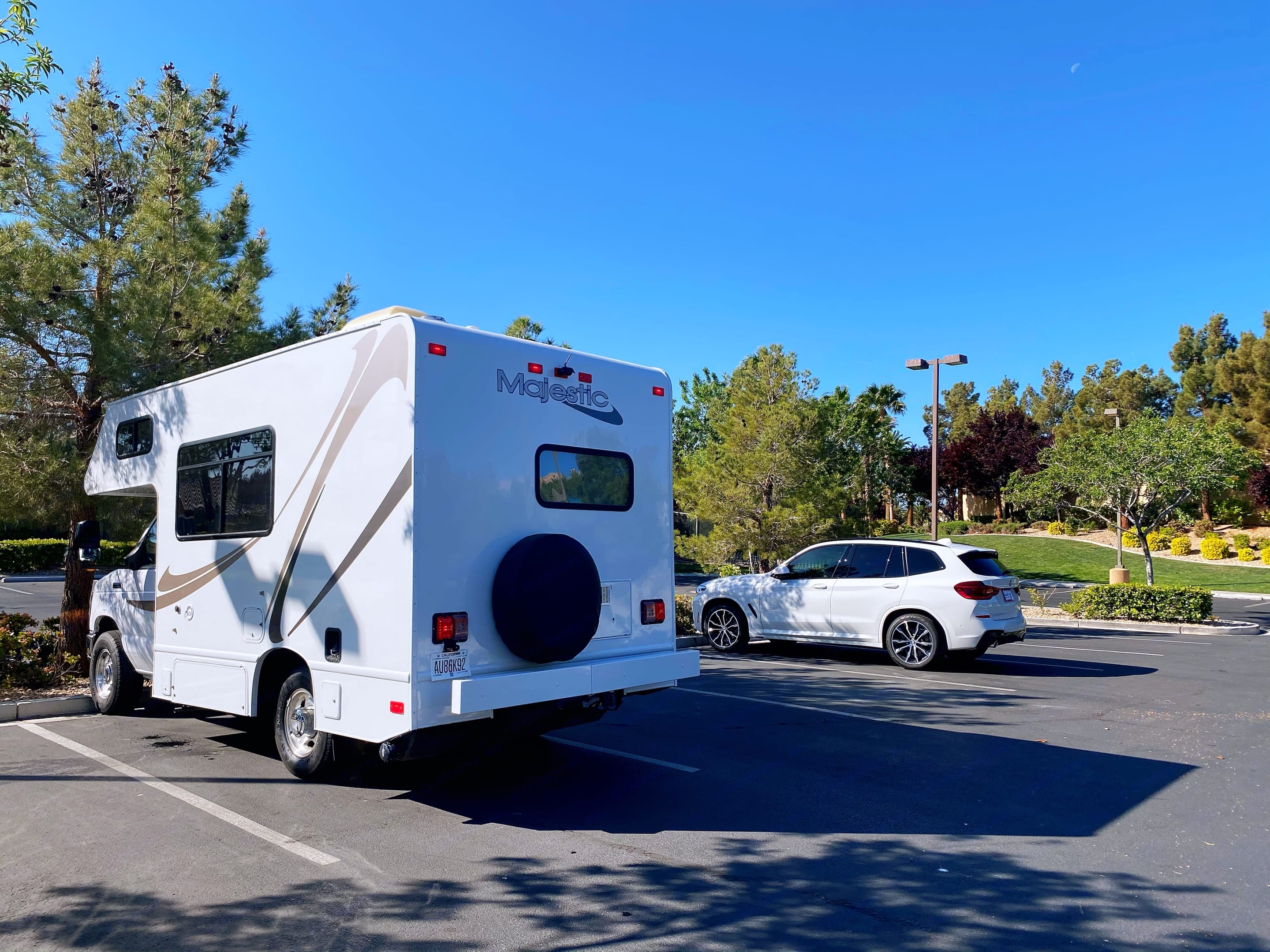 Thor Motor Coach Four Winds Majestic 2017