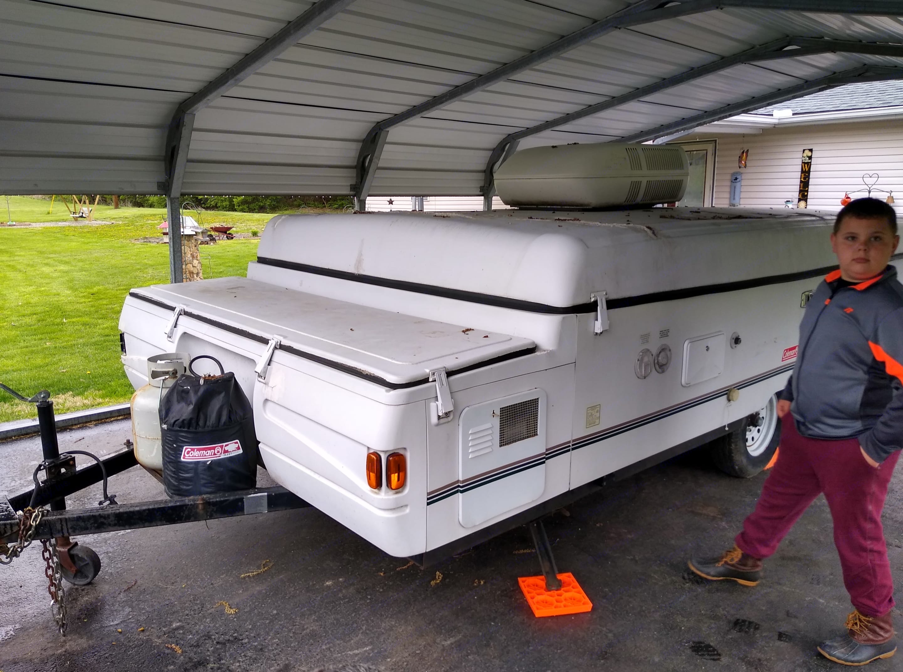 The Camper folds up so it is easy to tow with a midsize SUV or Minivan. Coleman Grand Tour Mesa 2000