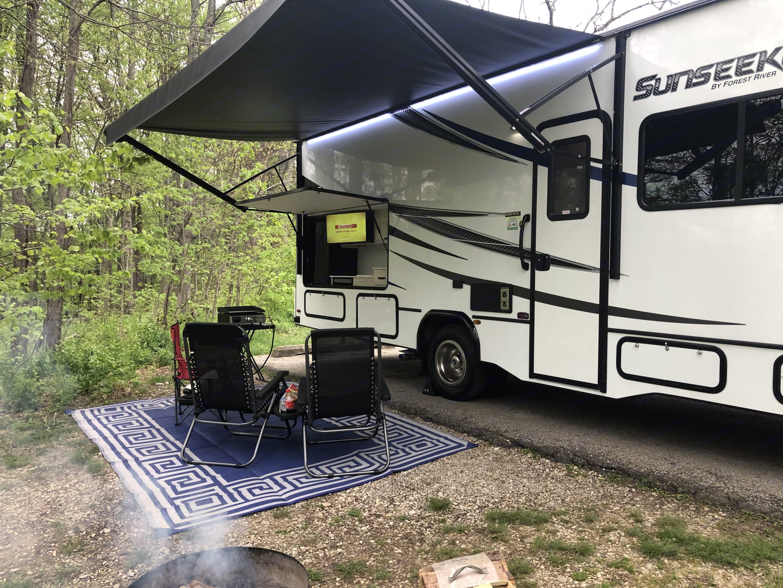Outdoor Fun. Forest River Sunseeker 2021