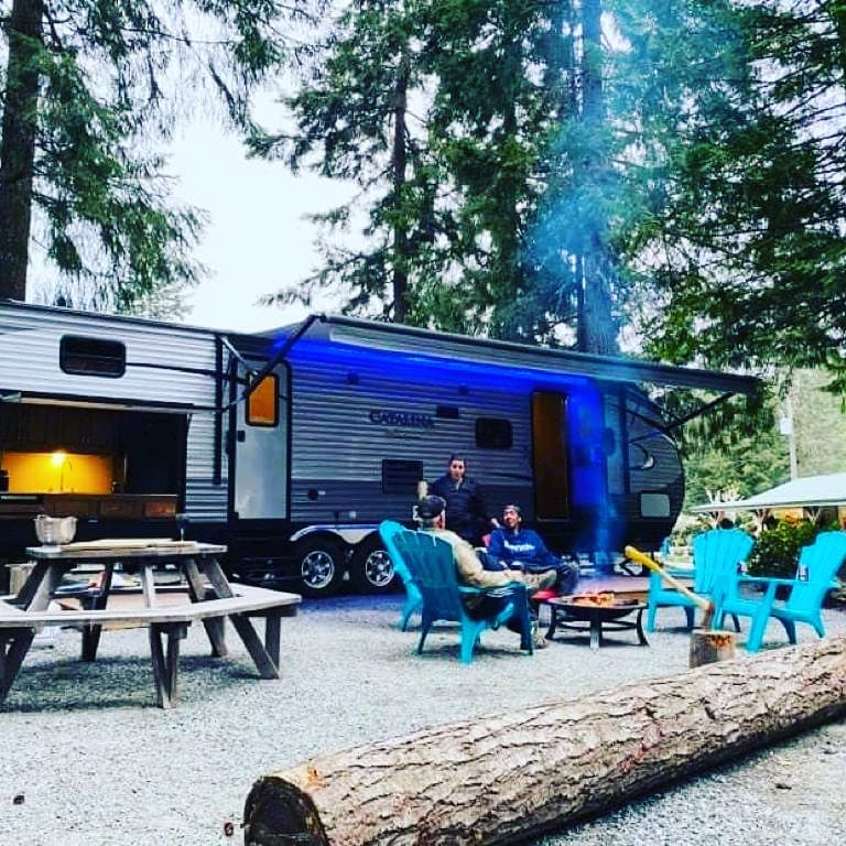 We've got all set up for you. Enjoy instant relaxation with your loved ones.. Coachmen Catalina 2017